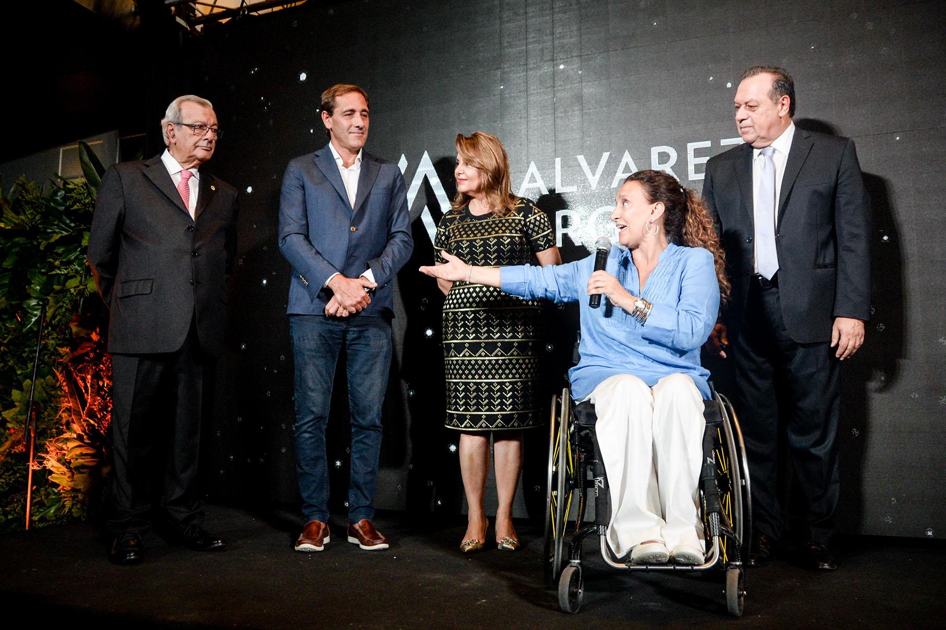 La Vicepresidenta y la diva brindaron un breve discurso durante el evento