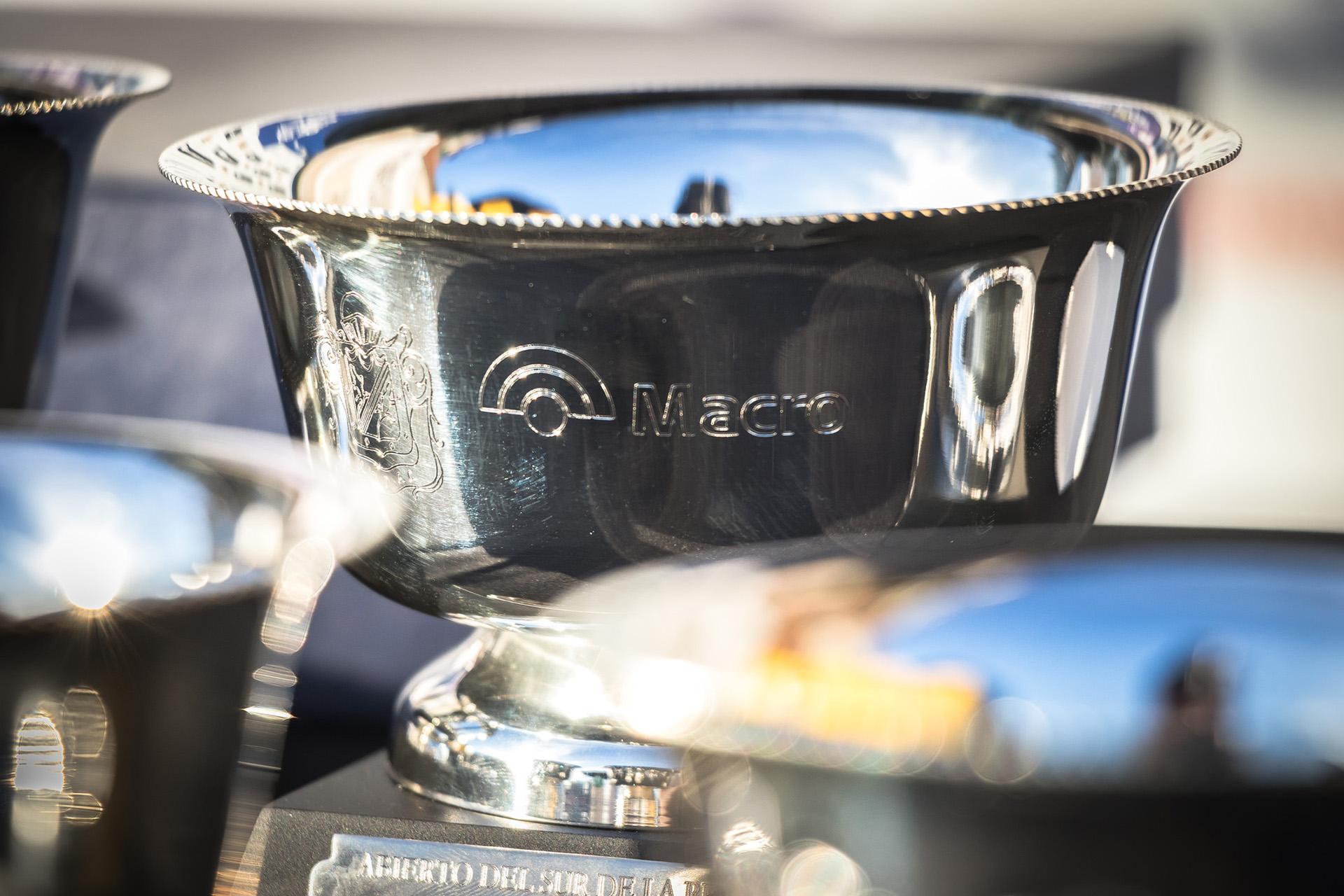 Copa Macro entregada a los ganadores