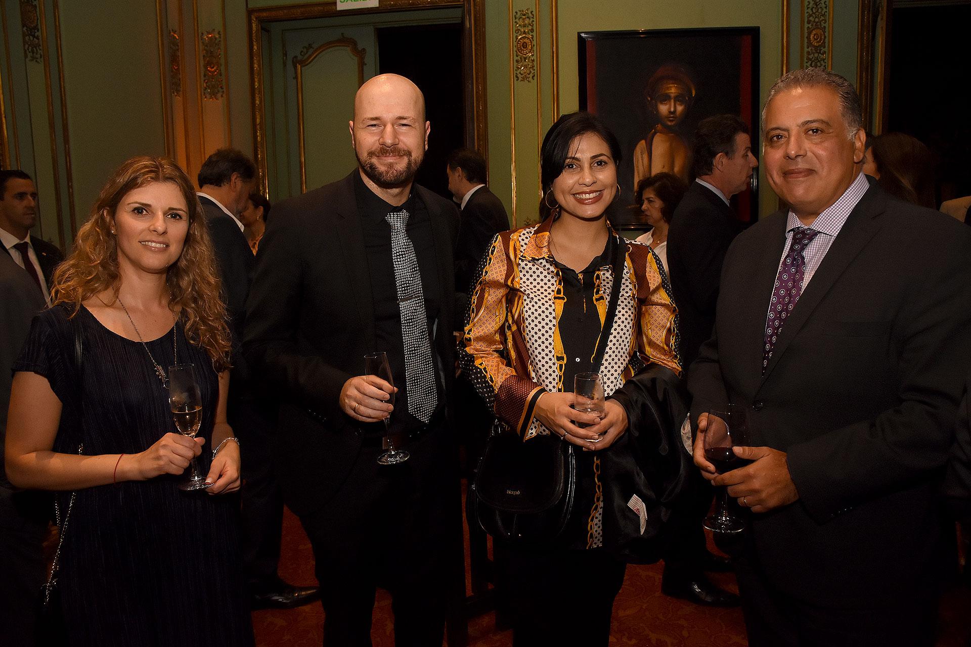 La sección consular de la embajada de Israel junto a embajador de Egipto en Argentina