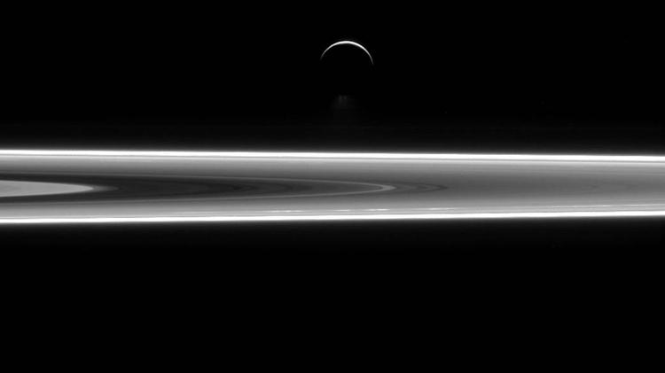 Titán, la mayor luna de Saturno, también está en el ojo de los científicos