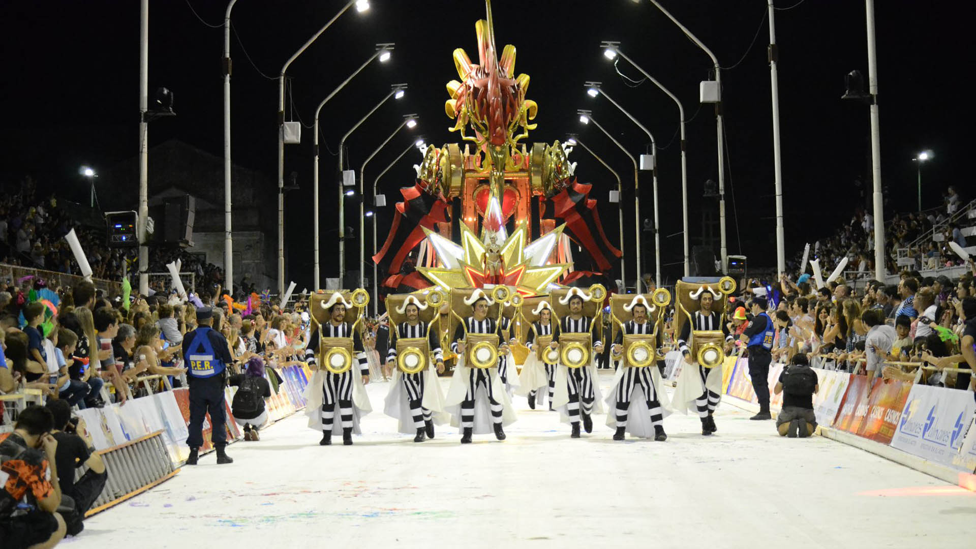 Más de 80 mil personas ya disfrutaron del carnaval de Gualeguaychú, que  busca igualar los números de la temporada pasada - Infobae
