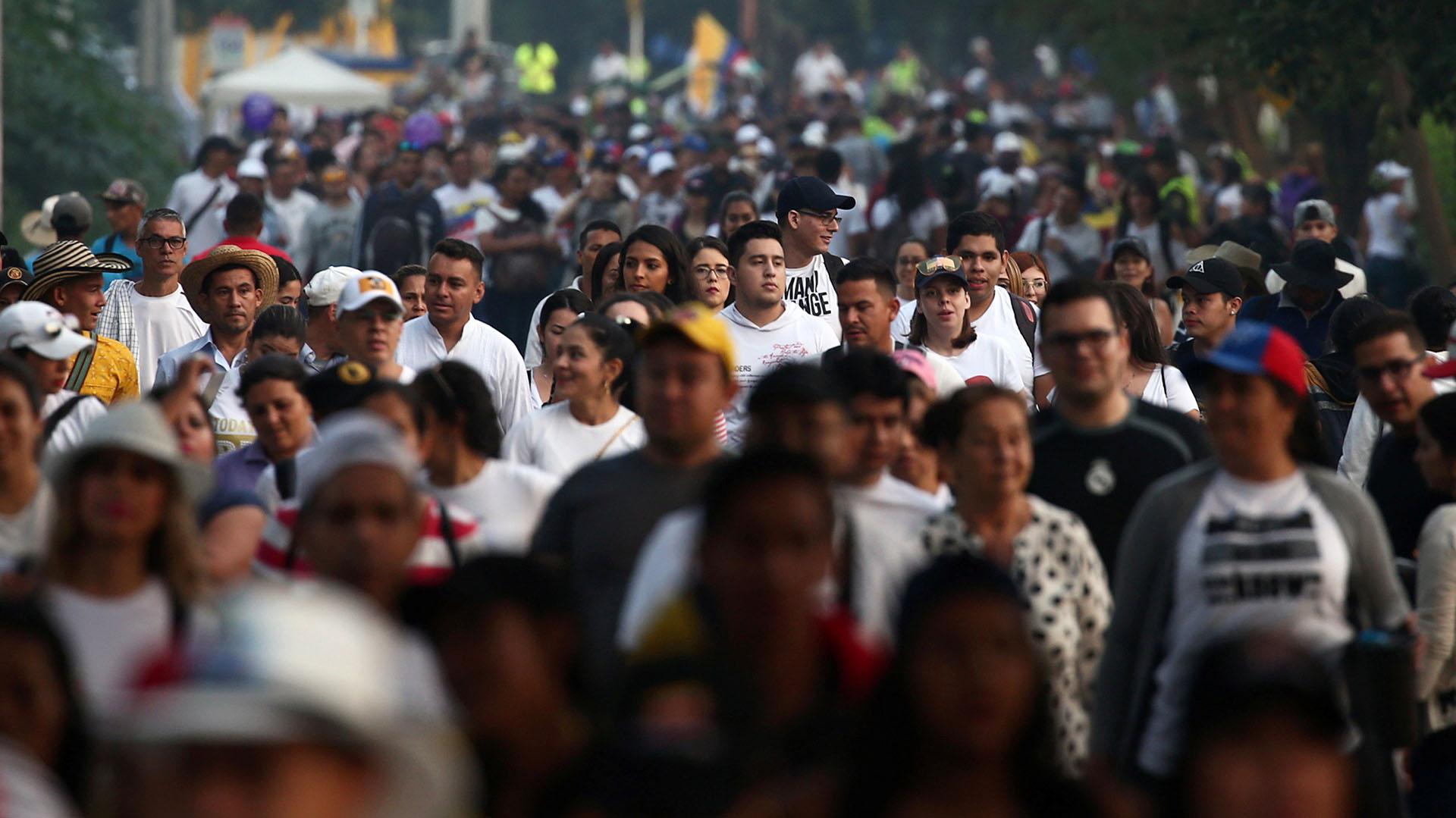 Miles de personas llegaron temprano para asistir al concierto (REUTERS/Edgard Garrido)