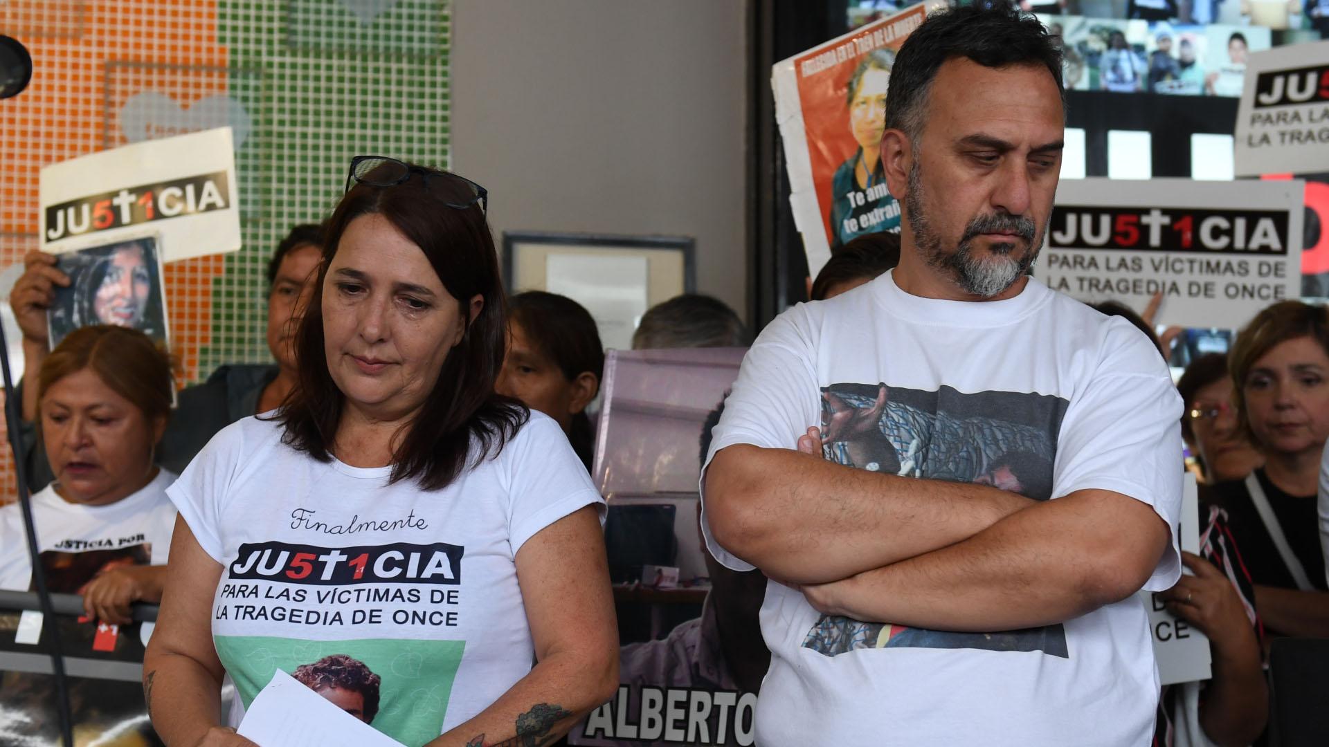 María Luján Rey y Paolo Menghini, padres de Lucas, una de las víctimas de la tragedia
