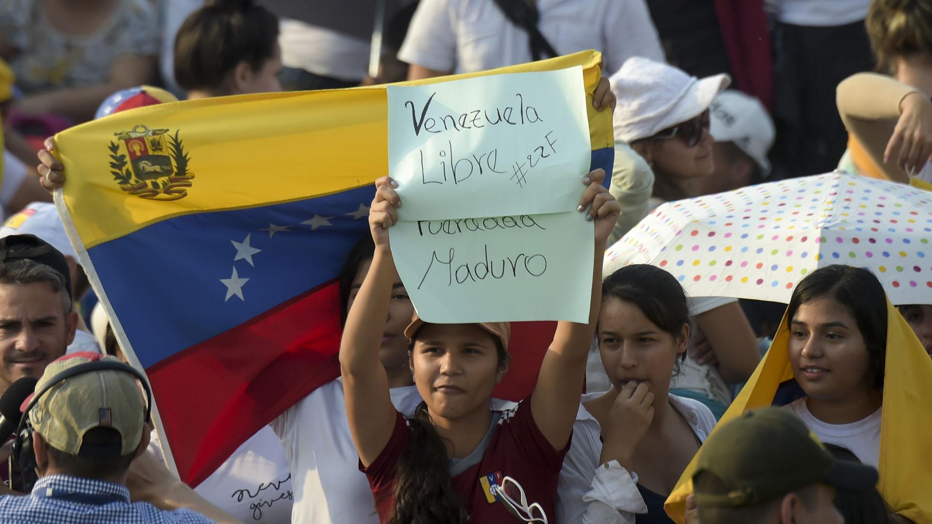 """""""Venezuela Libre, Fuera Maduro"""". (AFP)"""
