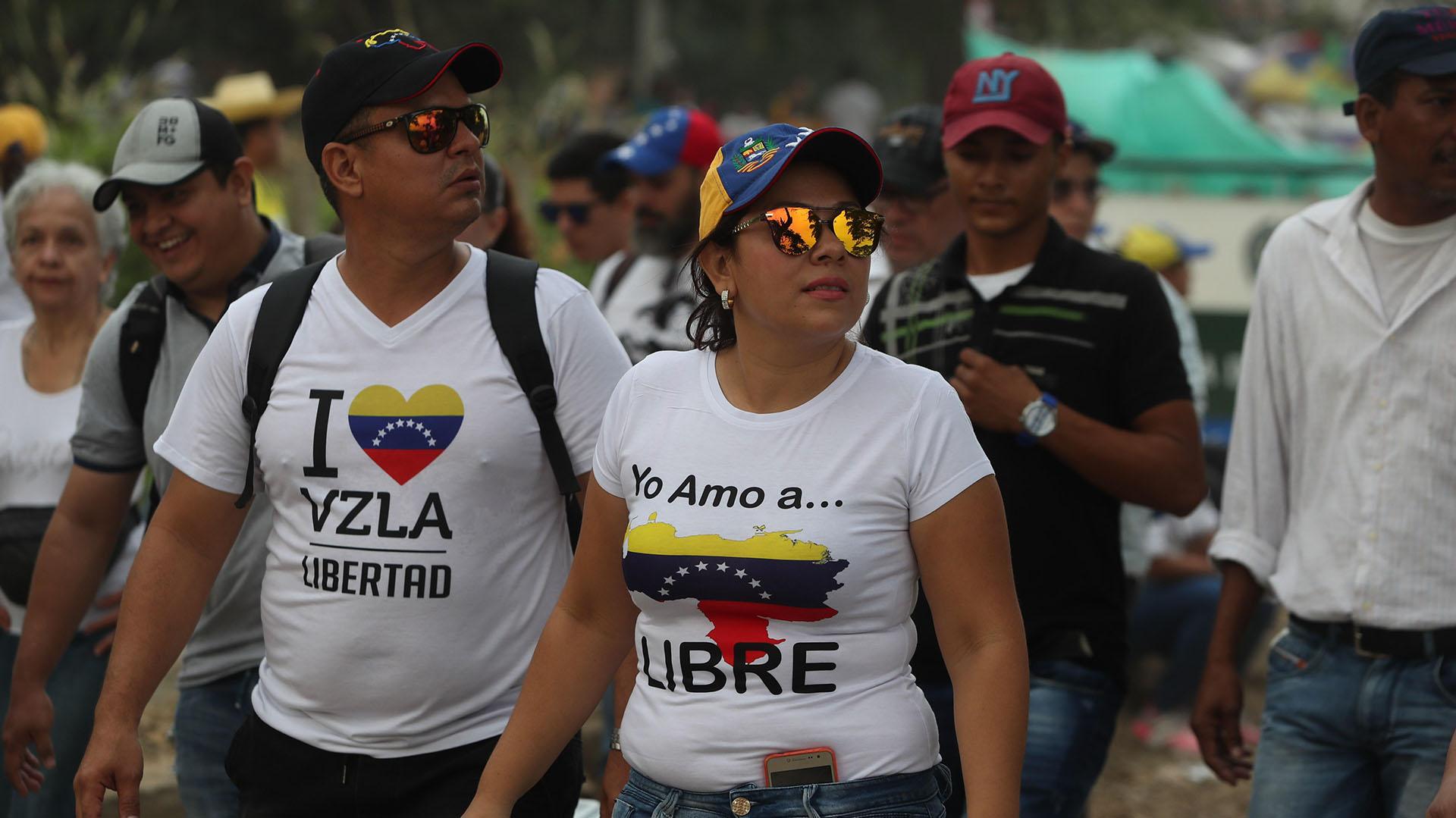 Venezolanos se reunen en el concierto Venezuela Aid Live para pedir por la libertad del país de la dictadura de Nicolás Maduro. (EFE/ Ernesto Guzmán)