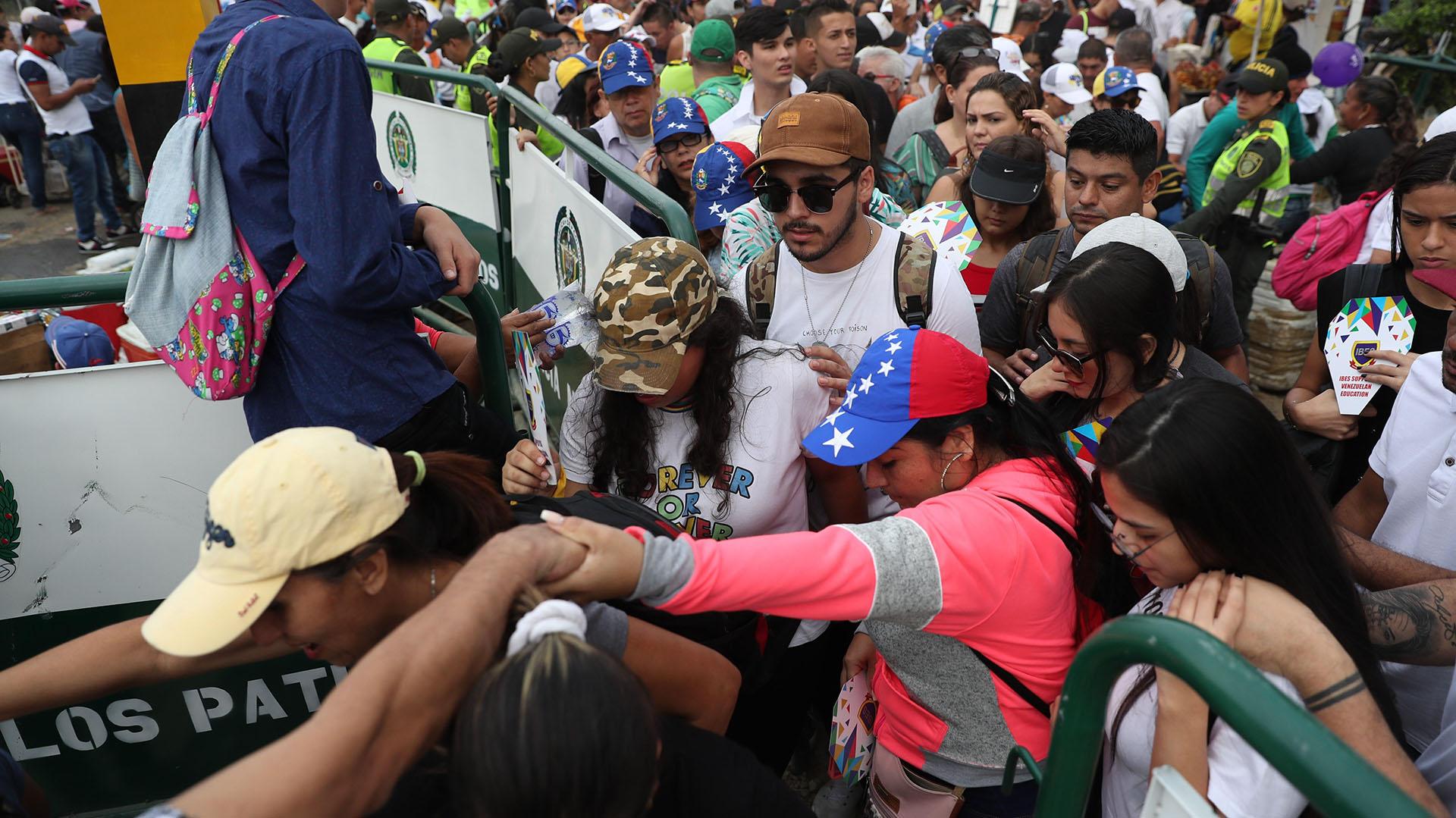 En total serán 32 artistas de Argentina, Colombia, España, Estados Unidos, México, Puerto Rico, Suecia y Venezuela quienes participarán del concierto que busca recaudar hasta 100 millones de dólares en 60 días. (EFE/ Ernesto Guzmán)