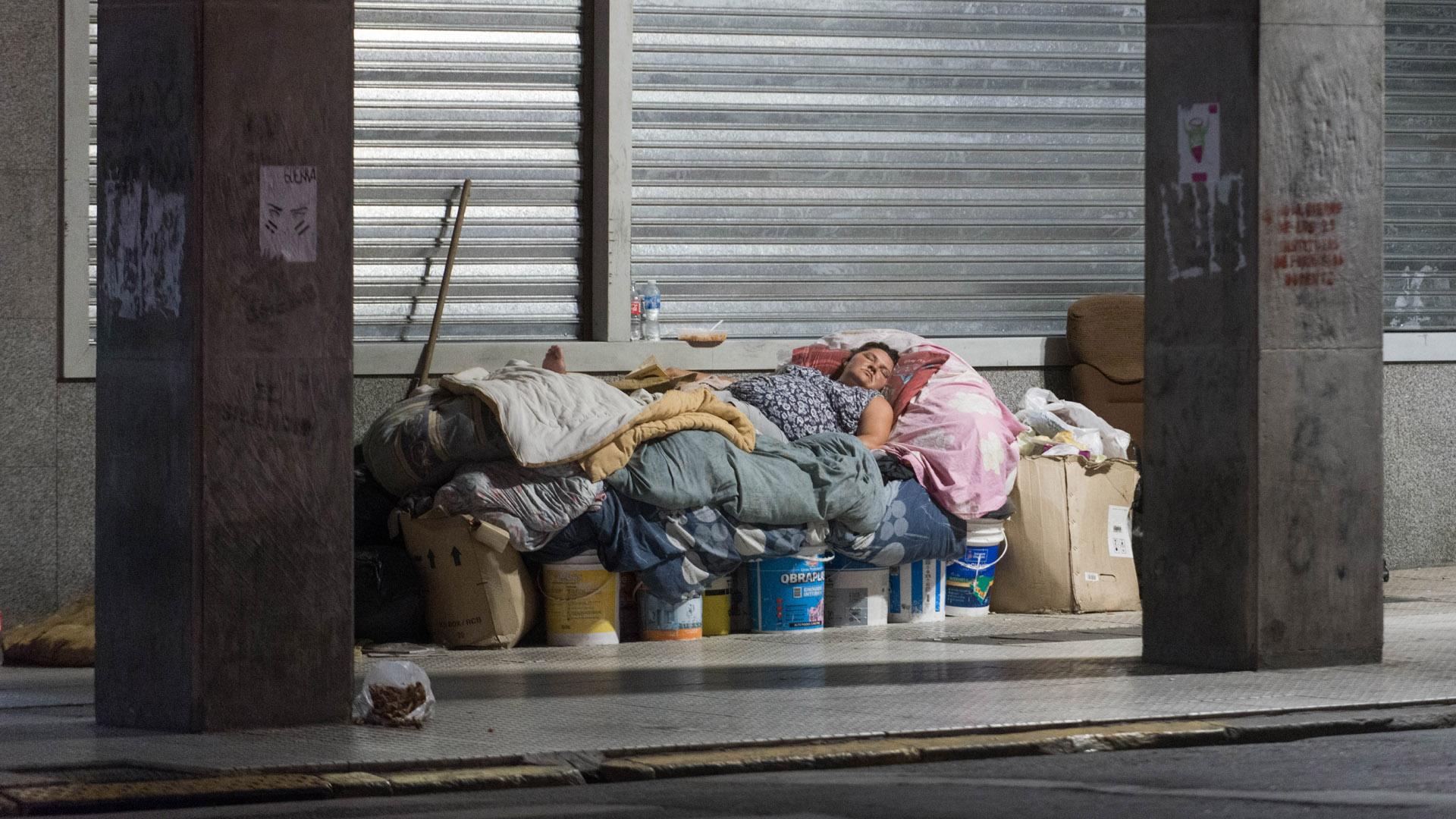 """El drama de los """"sin techo"""": un censo no oficial registró 7.251 personas en situación de calle en la ciudad de Buenos Aires - Infobae"""