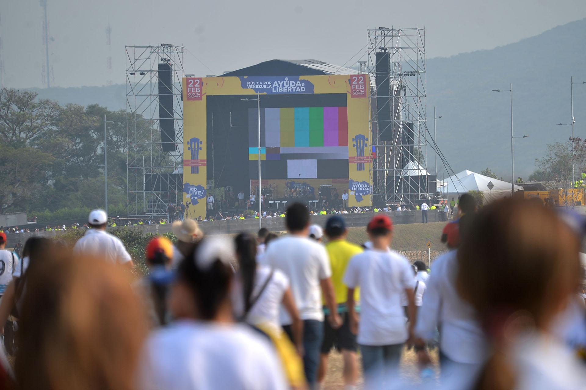 """Vista del escenario del concierto """"Venezuela Aid Live"""". (AFP)"""