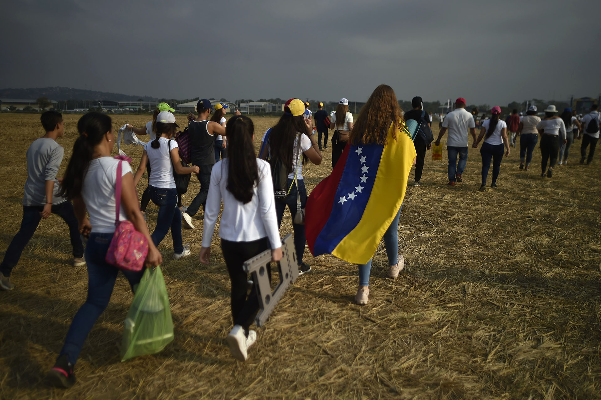 """Crece la multitud en el concierto """"Venezuela Aid Live"""". AFP)"""