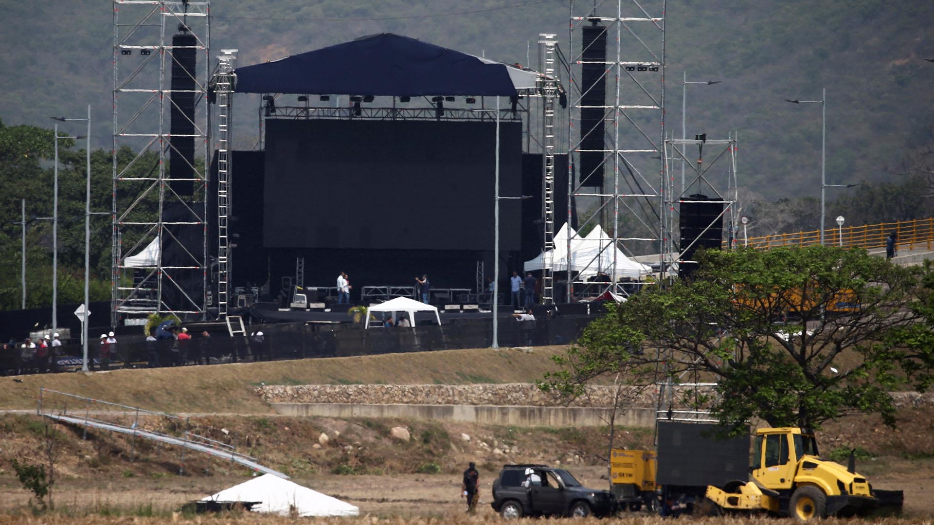 El escenario del concierto. (REUTERS/Edgard Garrido)