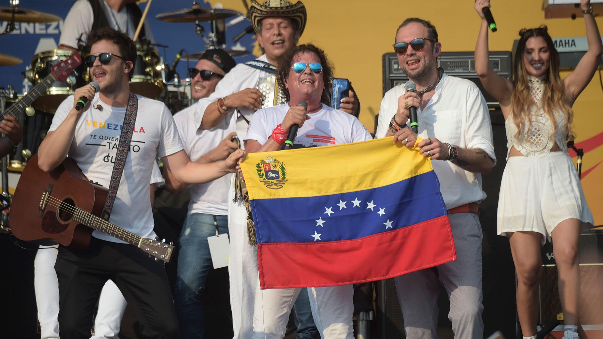 Resultado de imagen para carlos Vives en el Venezuela aid Live