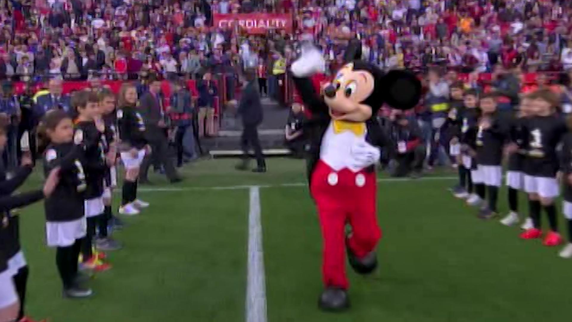 Mickey Mouse Sevilla Barcelona 1