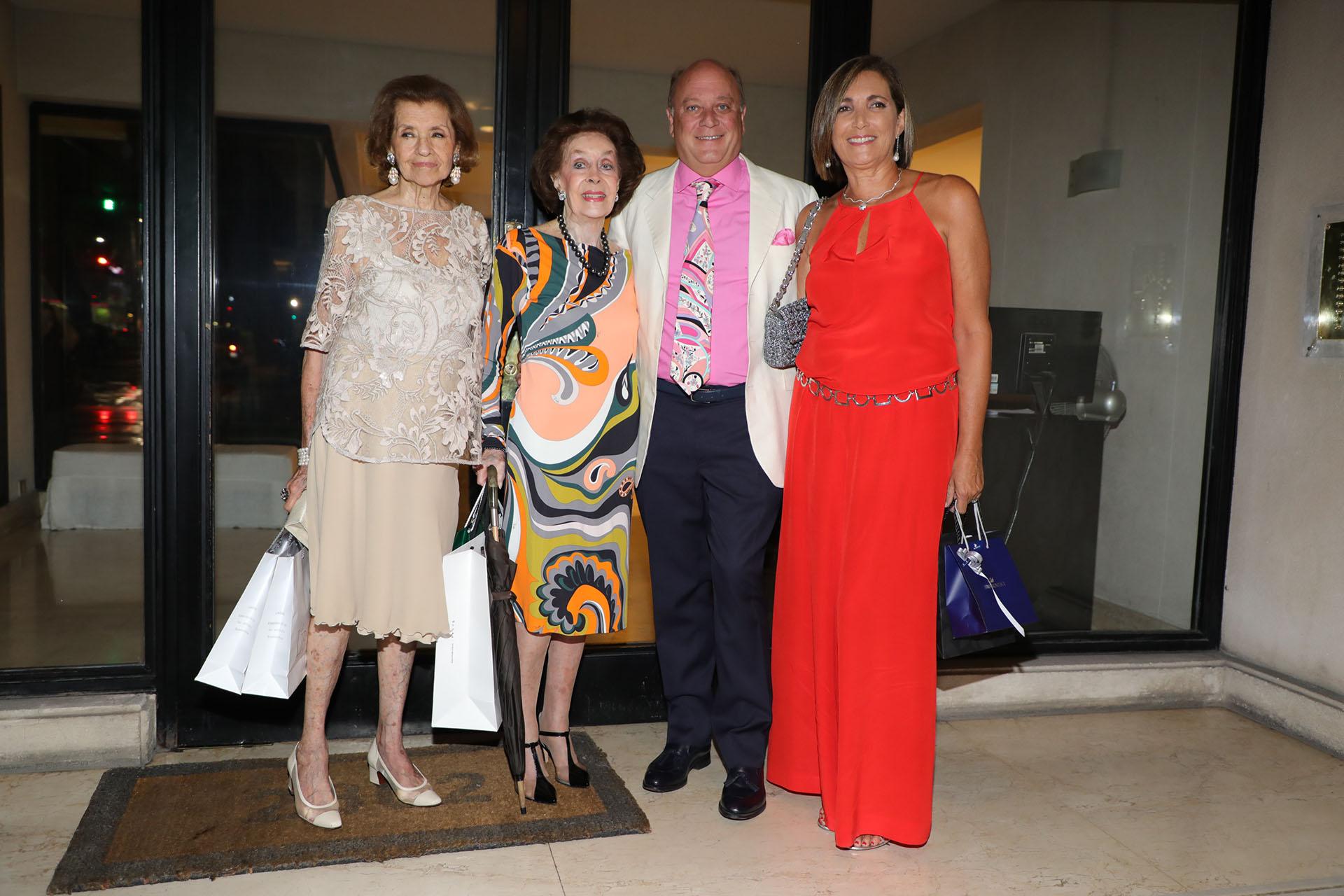 María Teresa Villarroel, Susana Reta, Martín Cabrales y Dora Sánchez