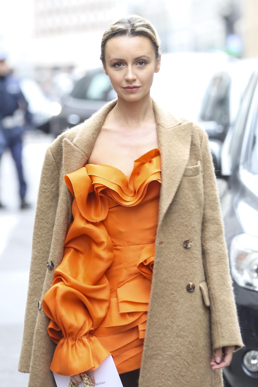 Nataly Osmann, la influencer escogió un look combinado con vestido y blazer