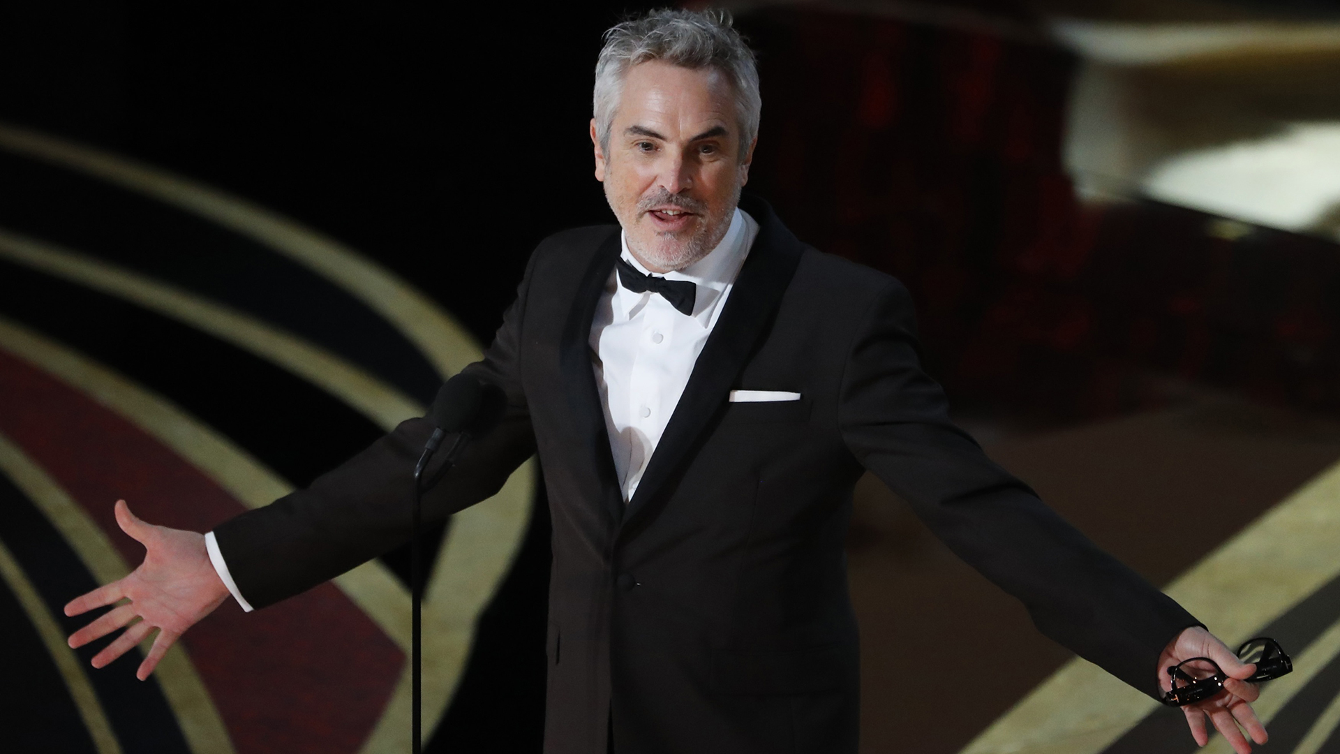 """Alfonso Cuarón, mejor director y mejor fotografía por """"Roma"""", que también se llevó la estatuilla a mejor película extranjera (REUTERS/Mike Blake)"""