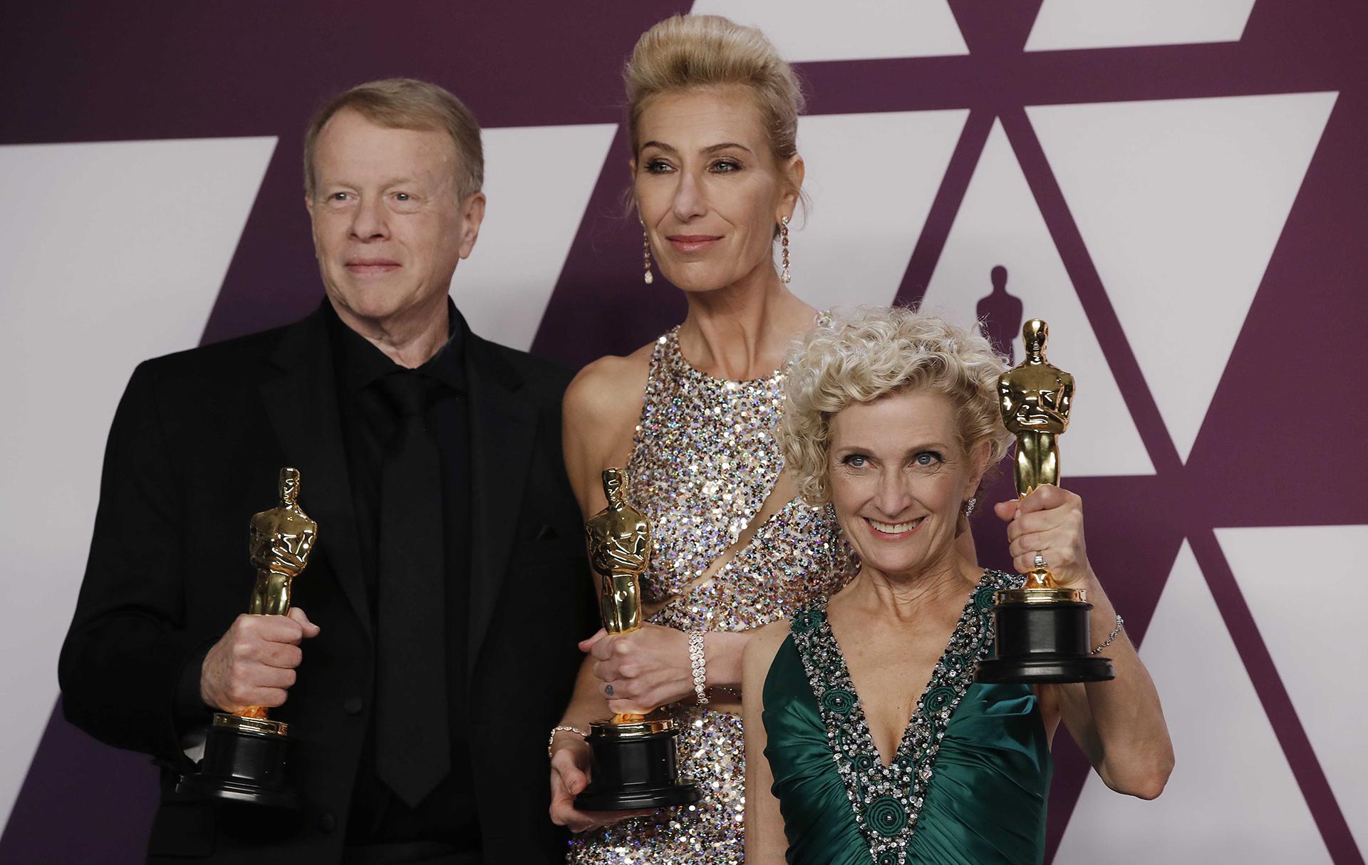 """Greg Cannom, Kate Biscoe y Patricia Dehaney, ganadores al mejor maquillaje por """"Vice"""" (REUTERS/Mike Segar)"""