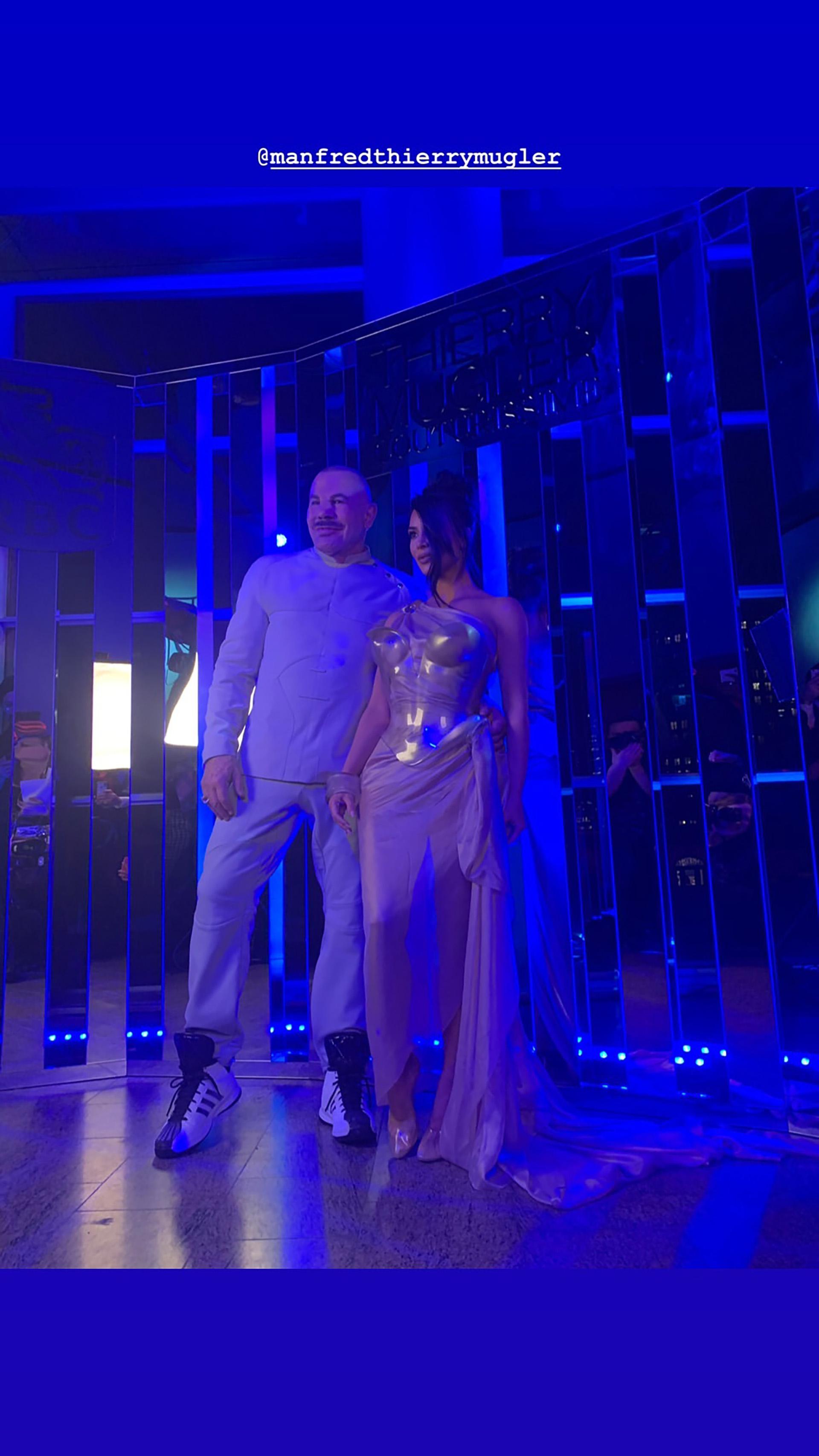 """Kim y Thierry Mugler en la inauguración de """"Couturissime"""" en Montreal"""