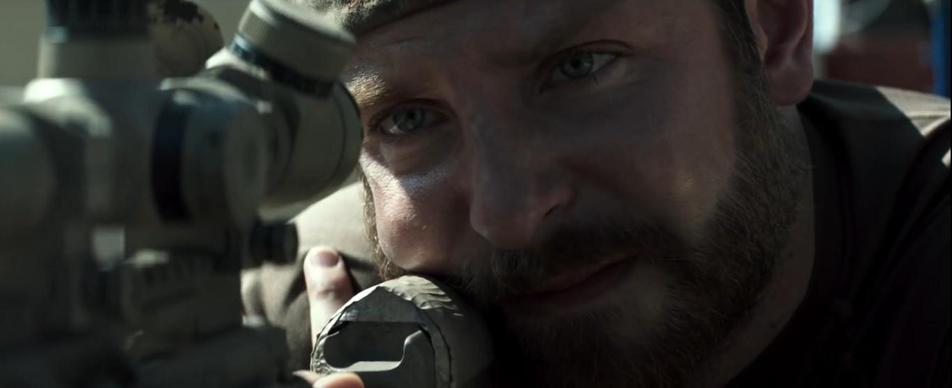 """Bradley Cooper en una escena de """"American Sniper"""" bajo las órdenes de Clint Eastwood"""