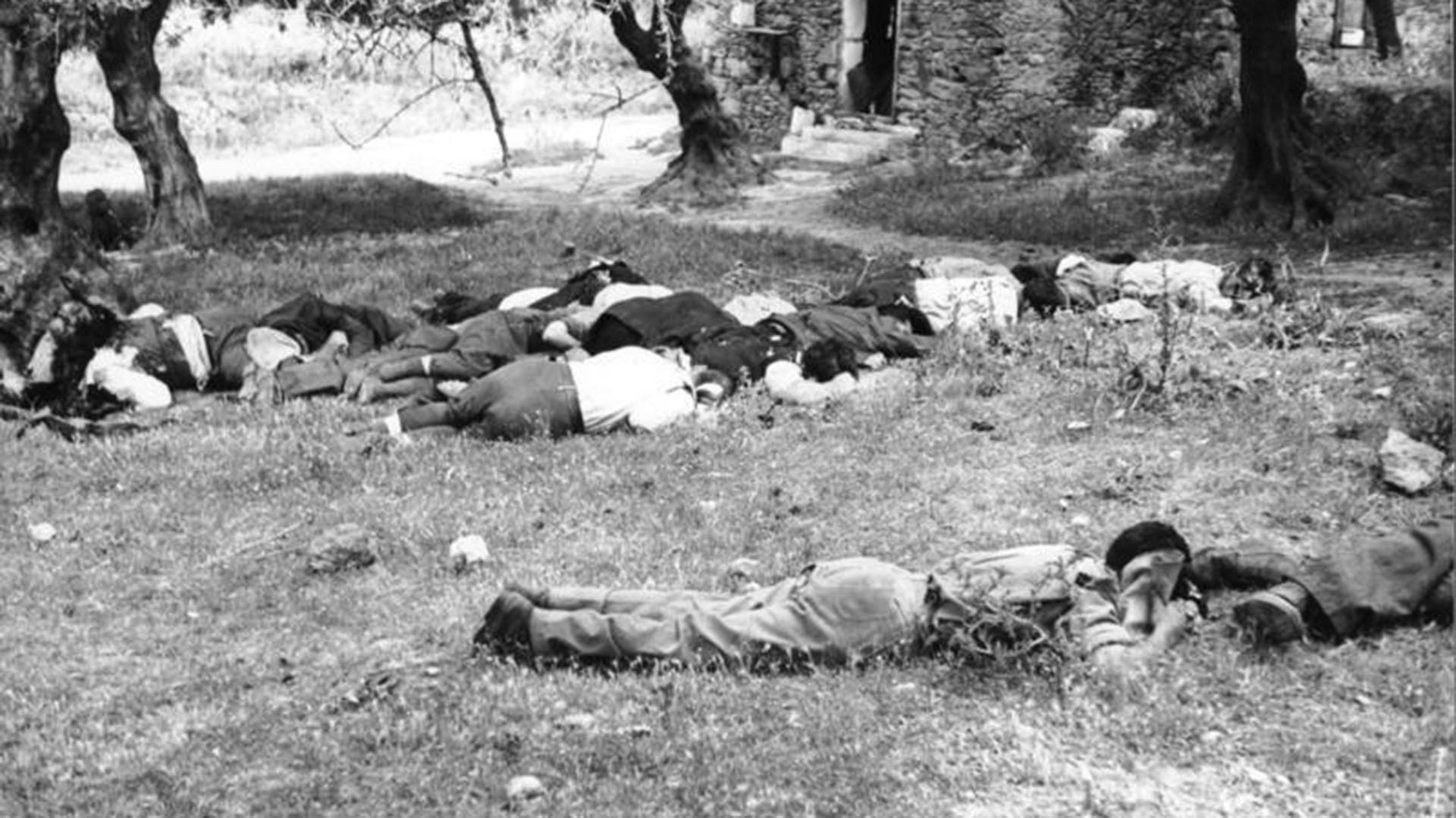 Cretenses fusilados durante las ejecuciones de los paracaidistas nazis en la isla de Creta.