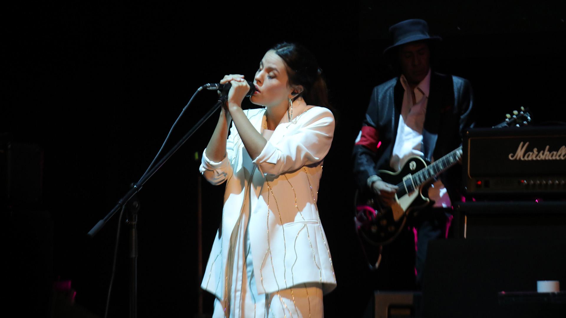 Rosario Ortega, la hija de Palito, se destacó en los coros