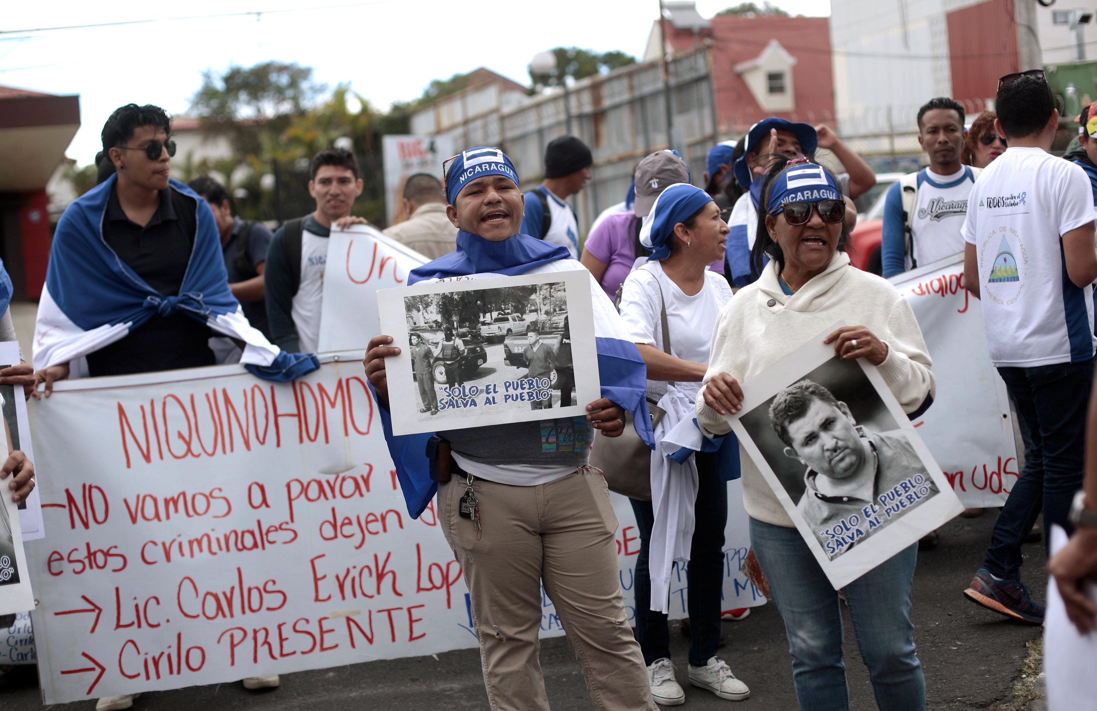 Protestas contra el régimen. (REUTERS/Juan Carlos Ulate)