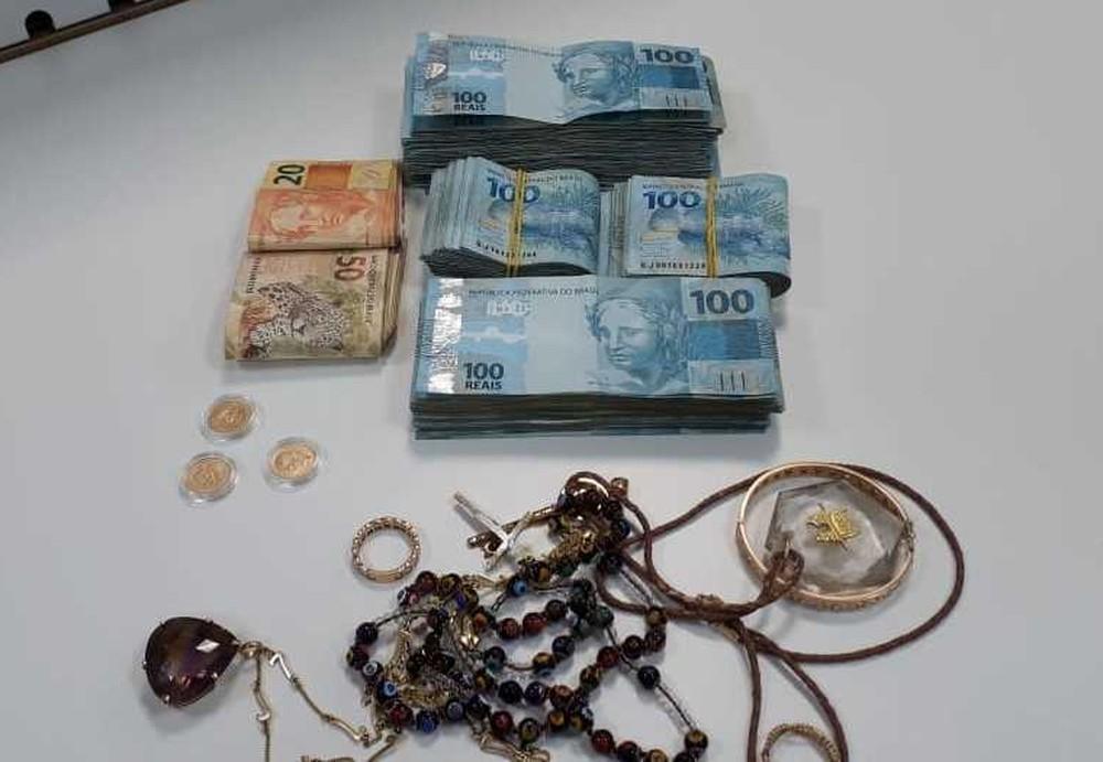 Lucio Rueda fue capturado con dinero en efectivo. (Policía Federal)