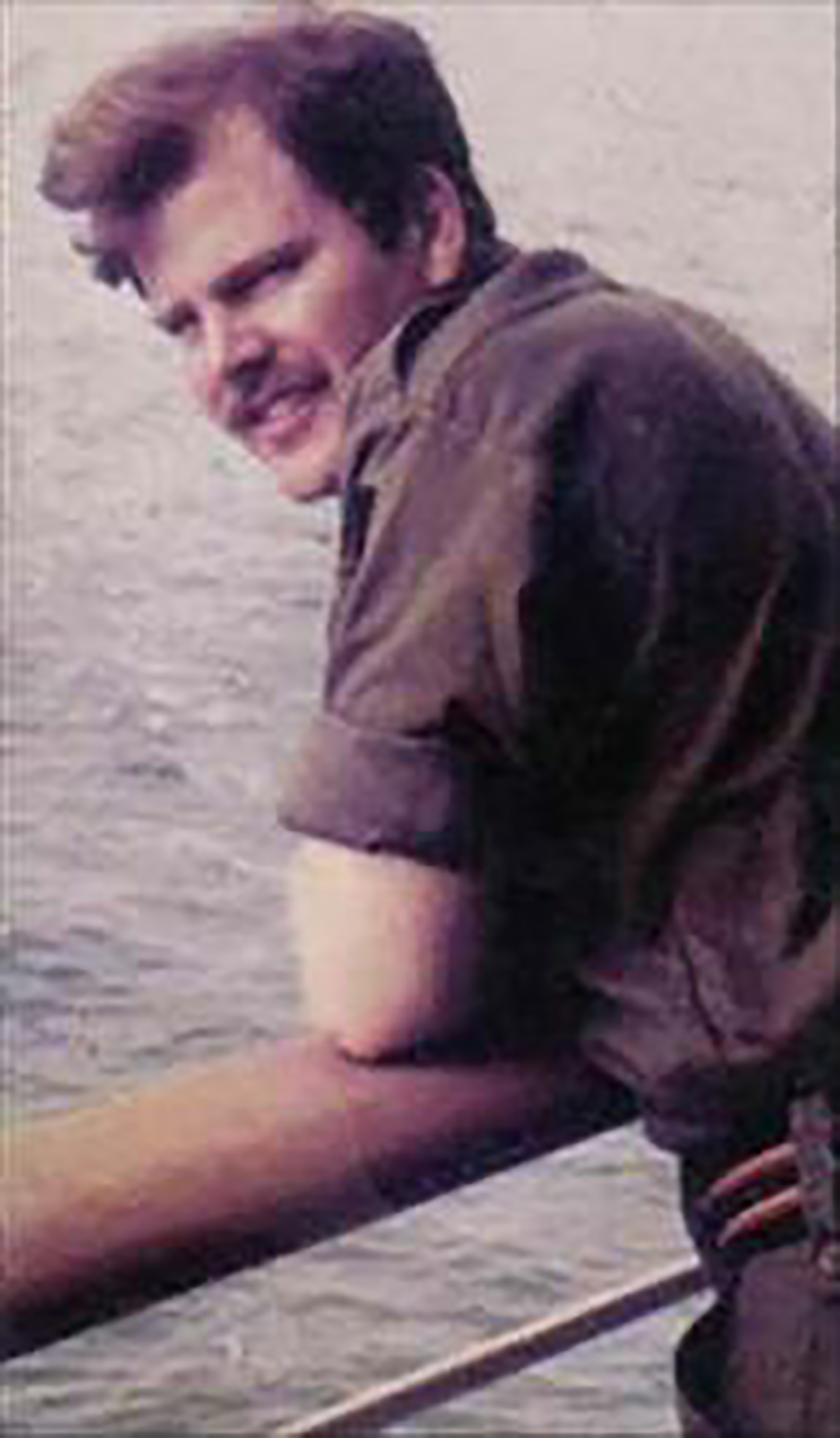 Alexander Shaw, era mecánico electricista de los PARA 3. Murió el 13 de junio de 1982, tenía 25 años y un hijo de 3 años llamado Craig