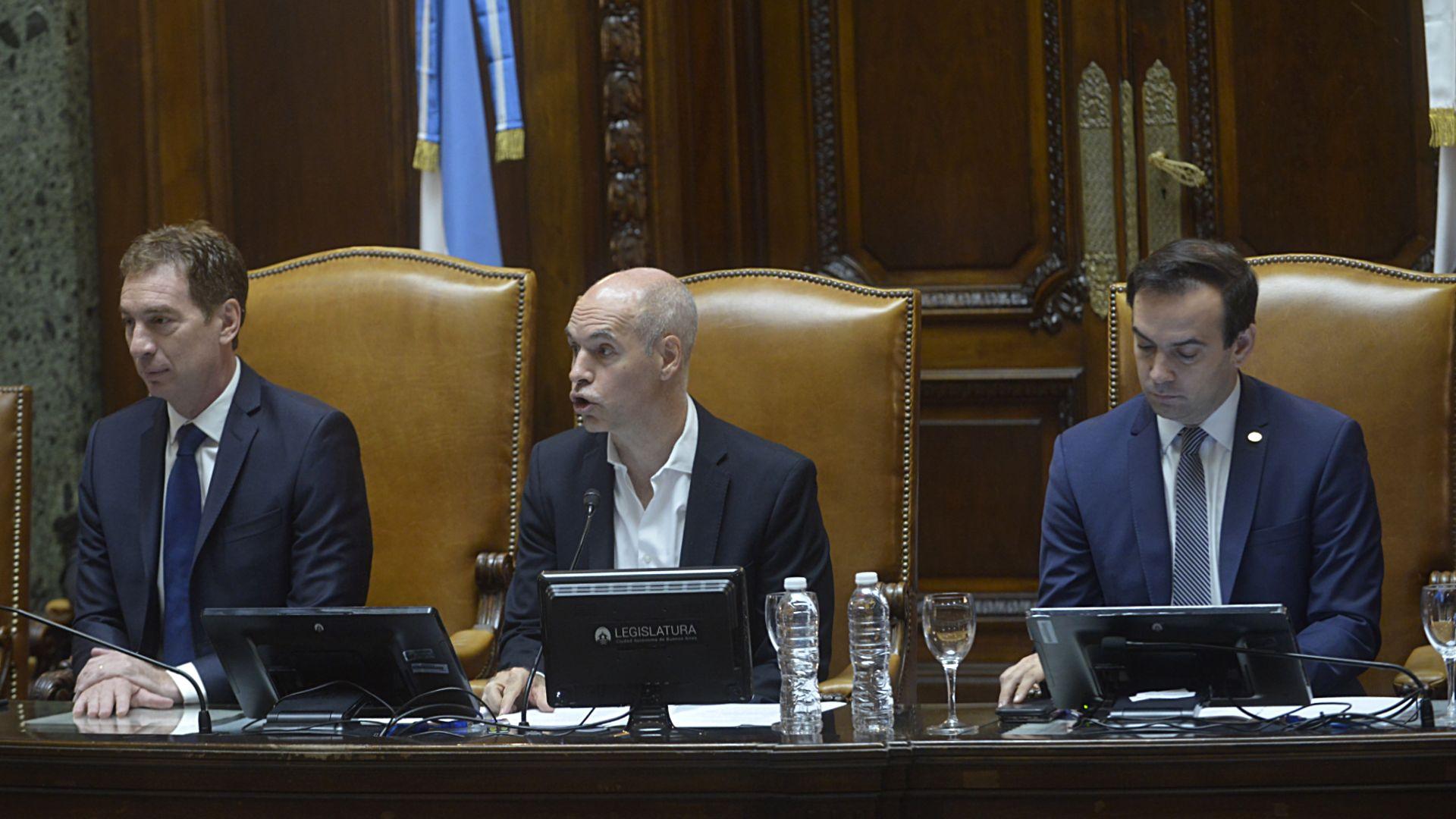Diego Santilli, Horacio Rodríguez Larreta y Francisco Quintana durante la apertura de sesiones ordinarias en la Legislatura porteña. (Fotos: Gustavo Gavotti)