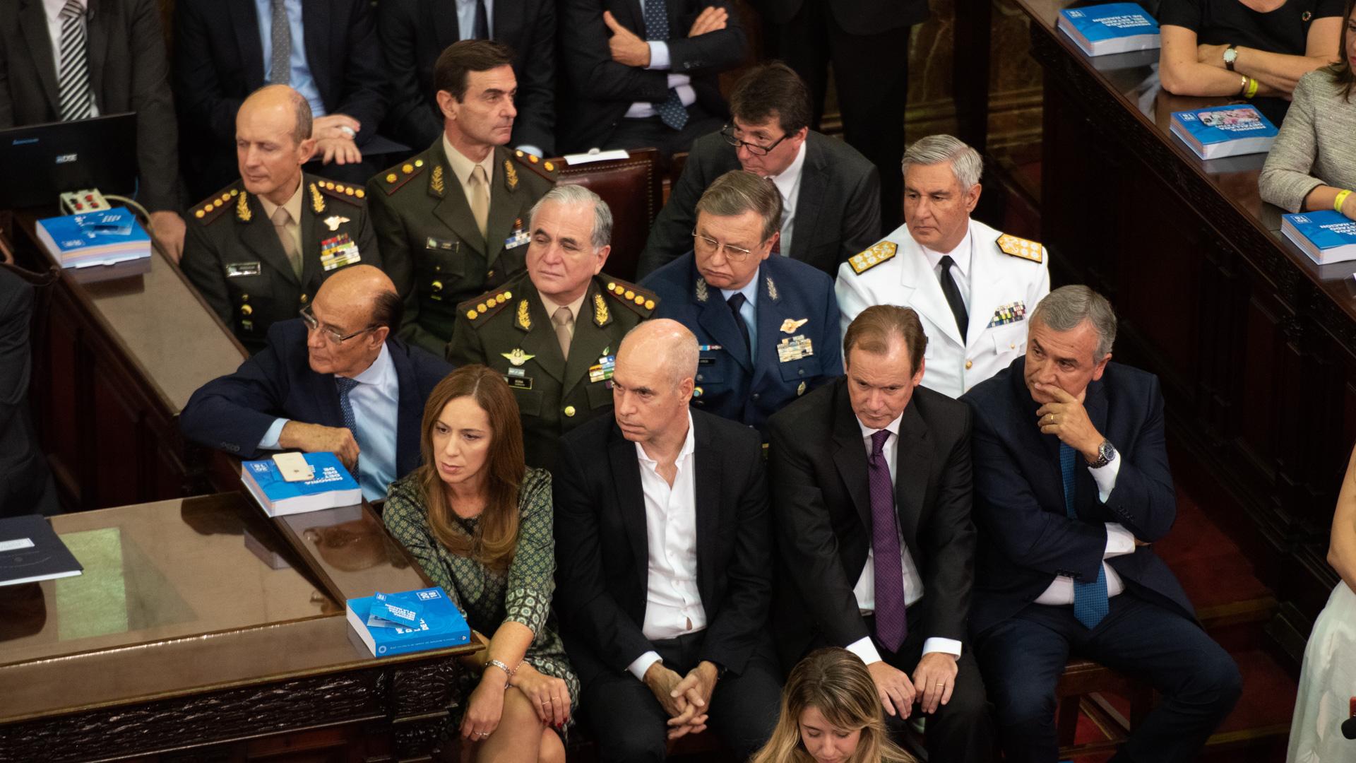 María Eugenia Vidal, Horacio Rodríguez Larreta, Gustavo Bordet y Gerardo Morales, en primera fila