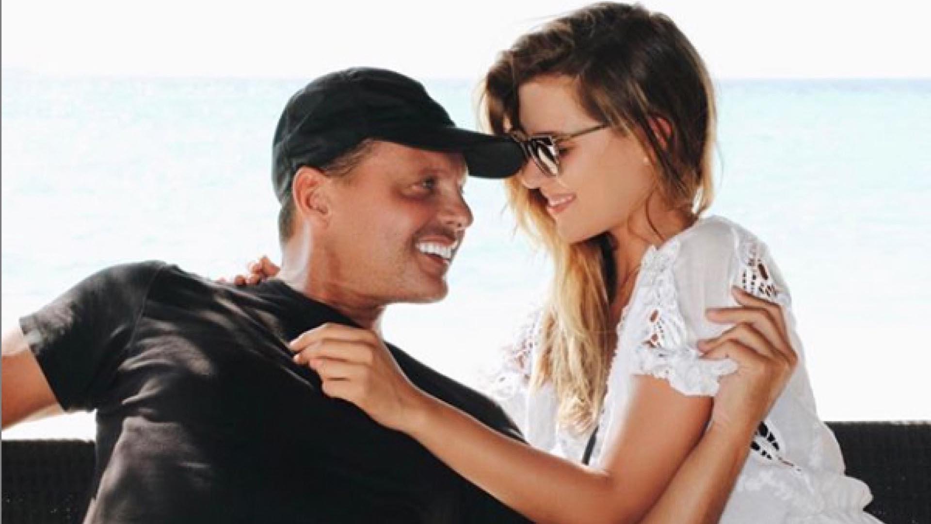 En abril de 2007, Michelle subió esta foto con Luis Miguel a su cuenta de Instagram.