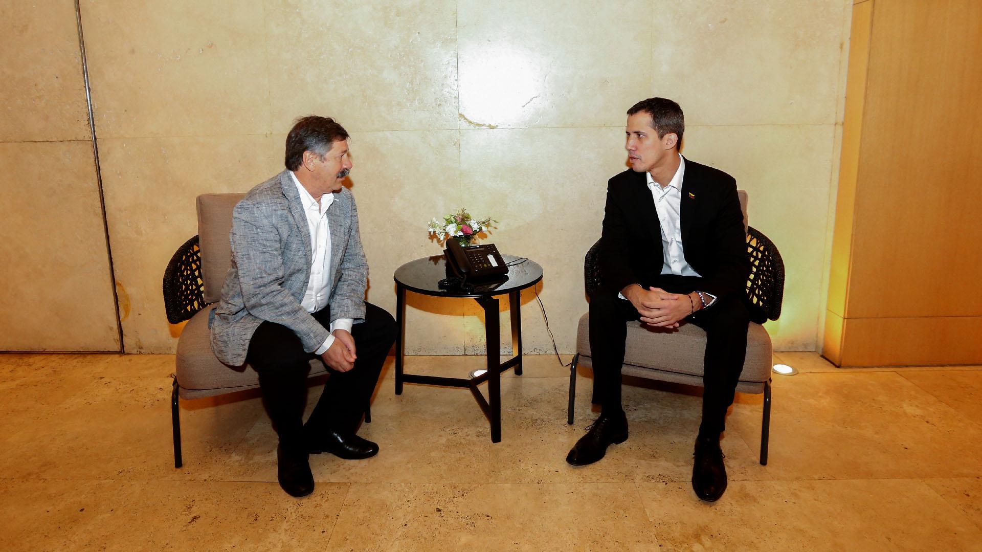 Juan Guaidó con Infobae (Nicolás Aboaf)