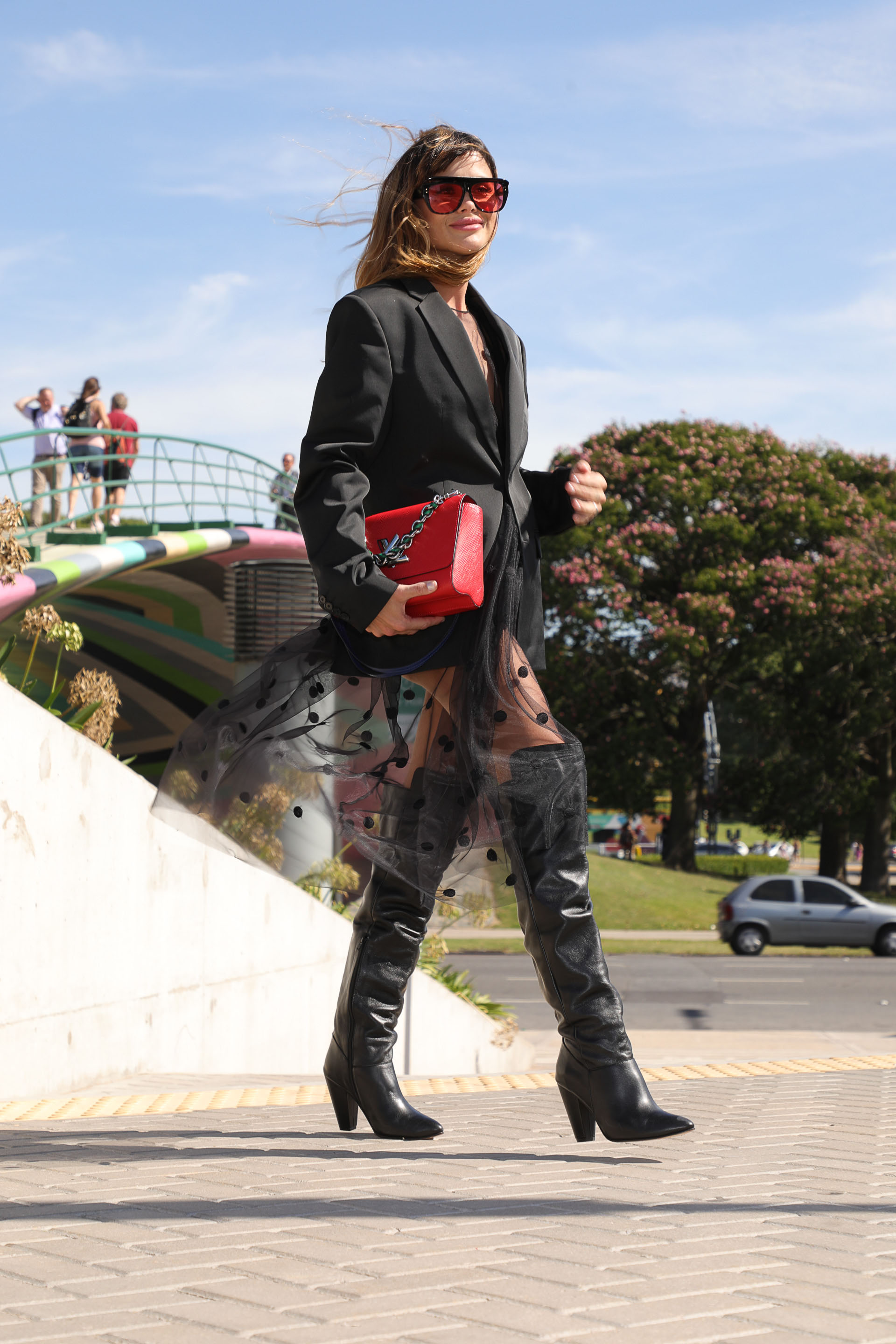 Total black look para la noche by House of Matching Colours y botas bucaneras by Valdez