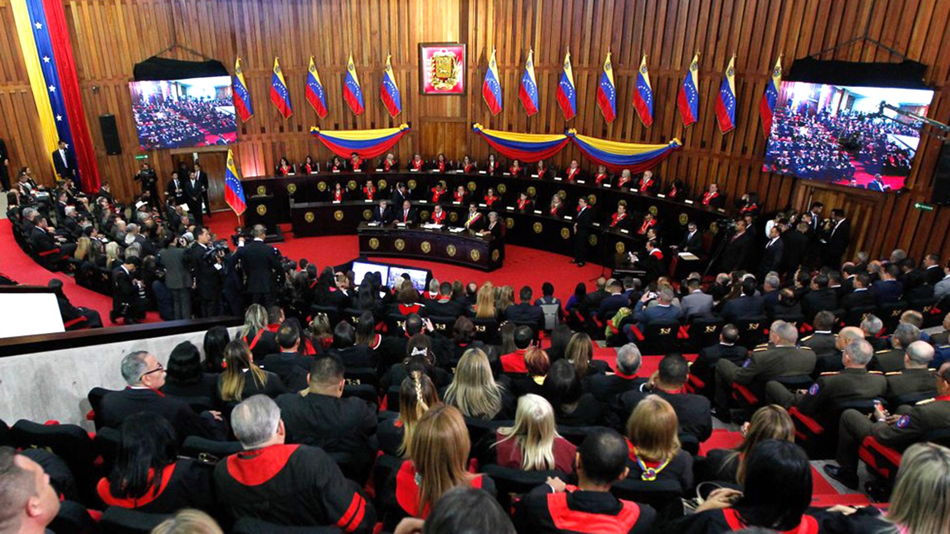 El Tribunal Supremo de Justicia de Venezuelaordenó quitarle la inmunidad a otros cuatro diputados opositores