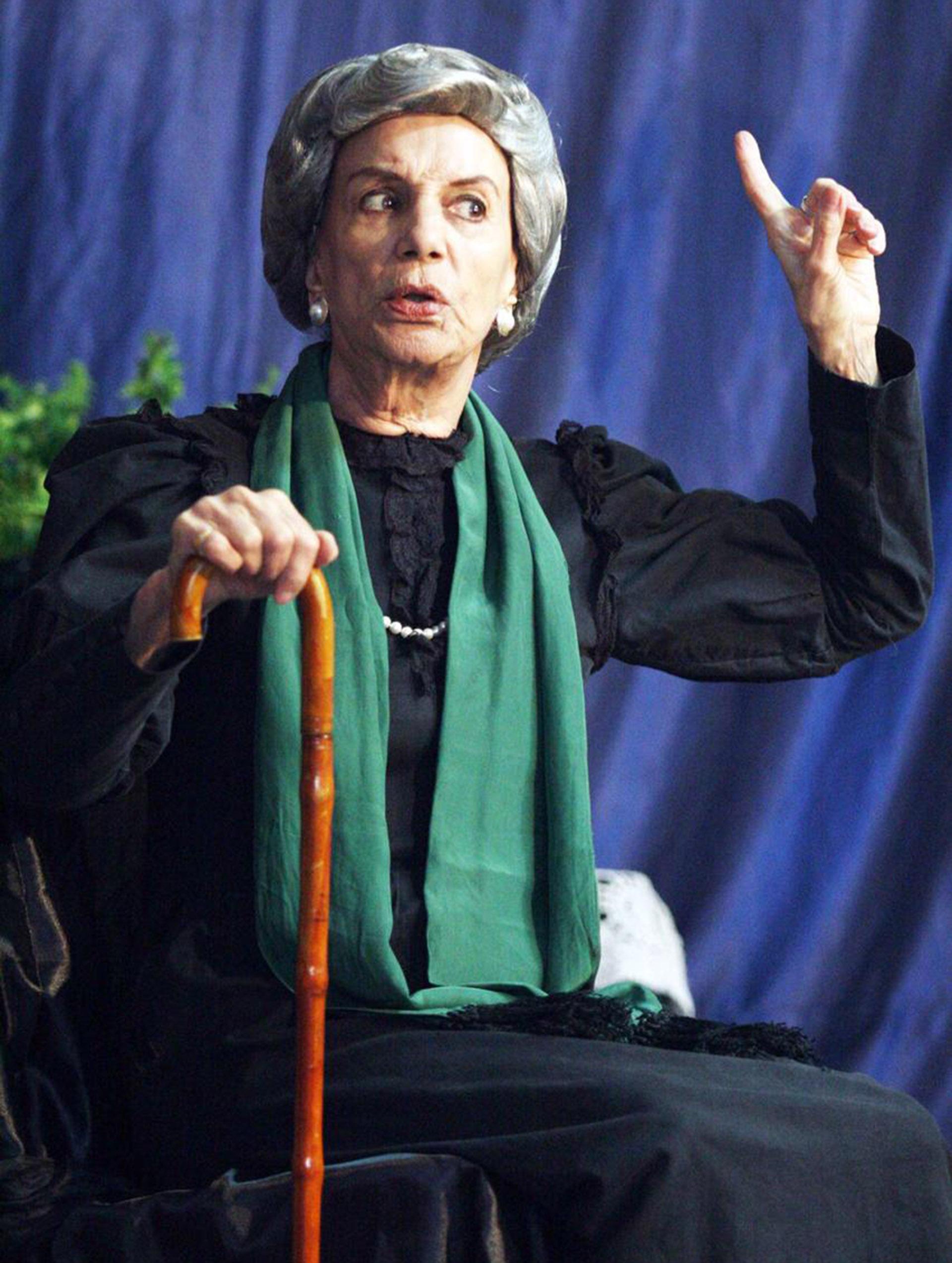 """Beatriz Taibo en """"Los arboles mueren de pie"""" (Foto: Verónica Guerman)"""