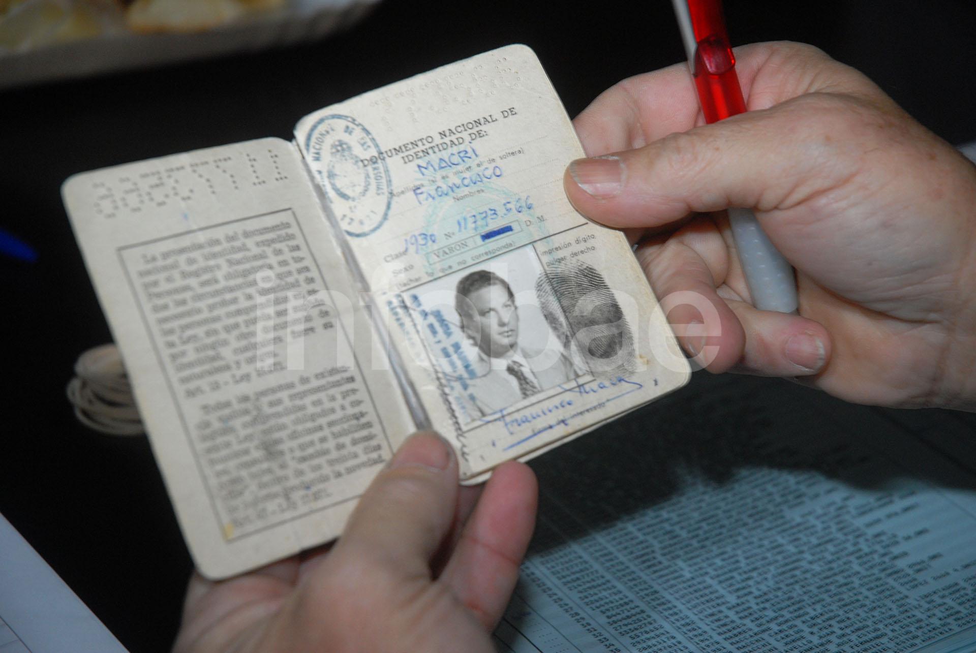 El documento argentino de Franco Macri revela que su nombre de nacimiento era Francisco (Enrique García Medina)