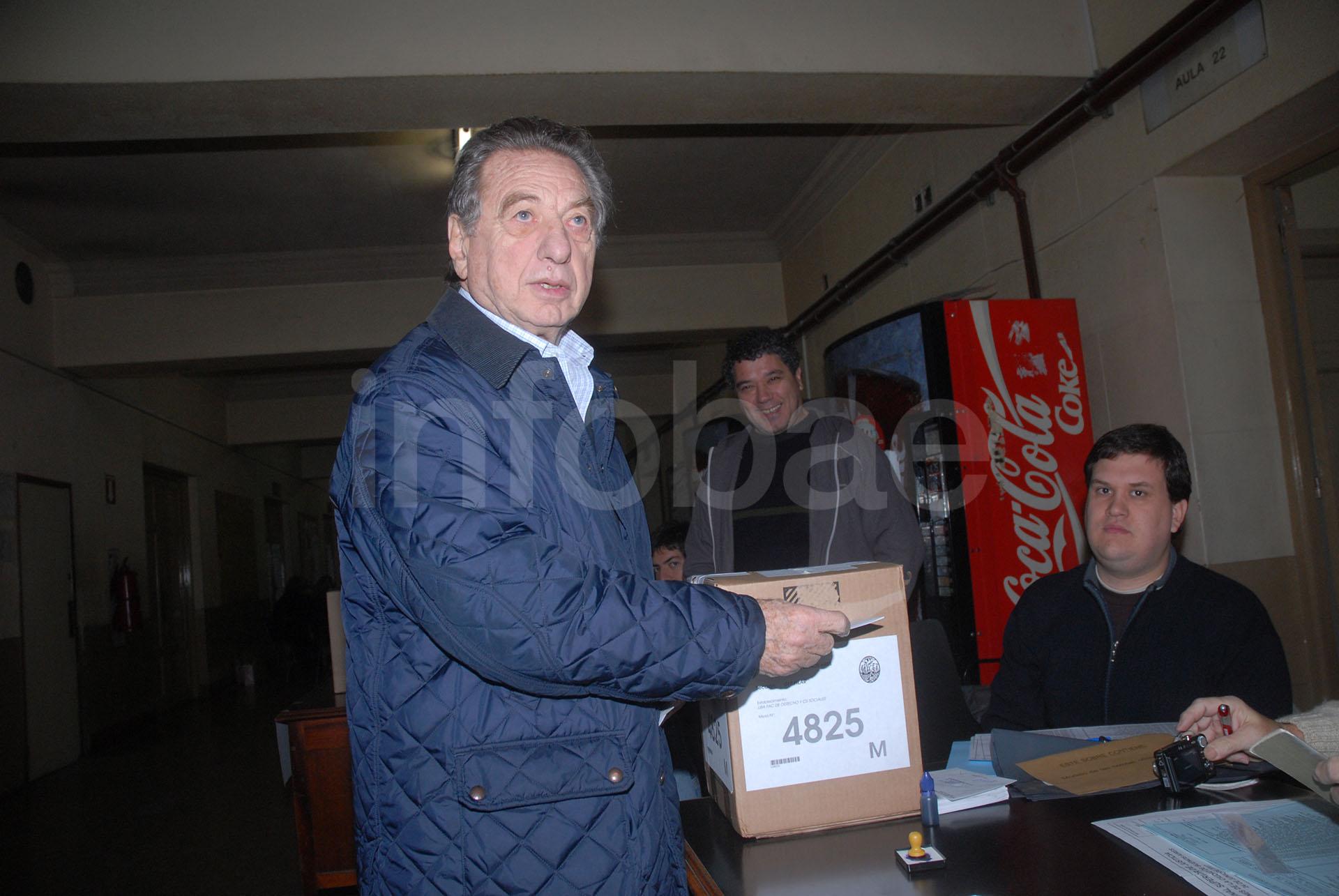 Año 2007. Franco Macri acudió a votar en las elecciones en las que su hijo se terminaría convirtiendo luego en el Jefe de Gobierno de la Ciudad de Buenos Aires (Enrique García Medina)