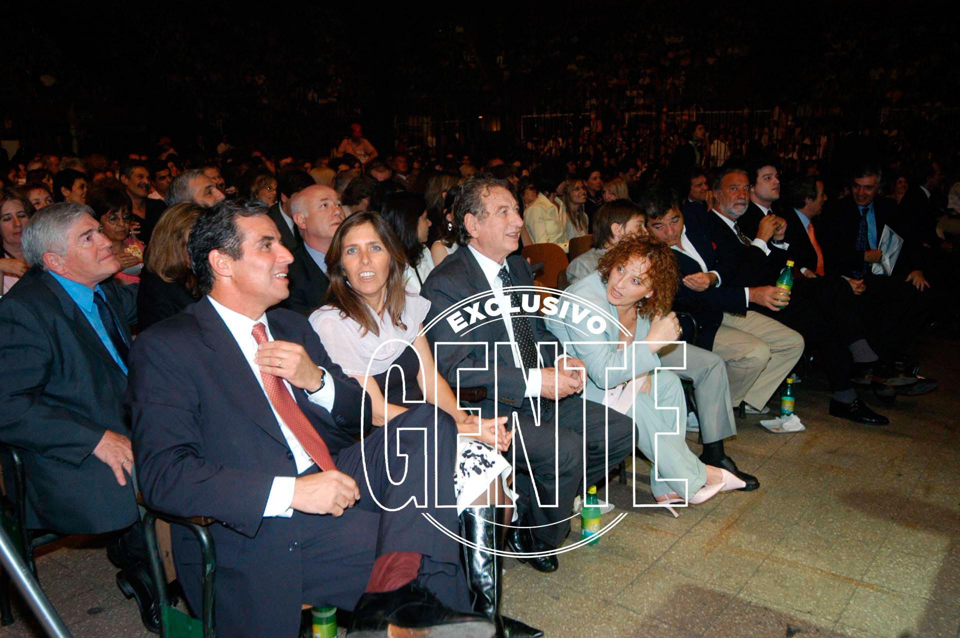 Franco Macri en la celebración de su firma Pago Fácil en el Luna Park. A su lado, su hija Sandra, ya fallecida.Foto: Enrique García Medina/Revista GENTE