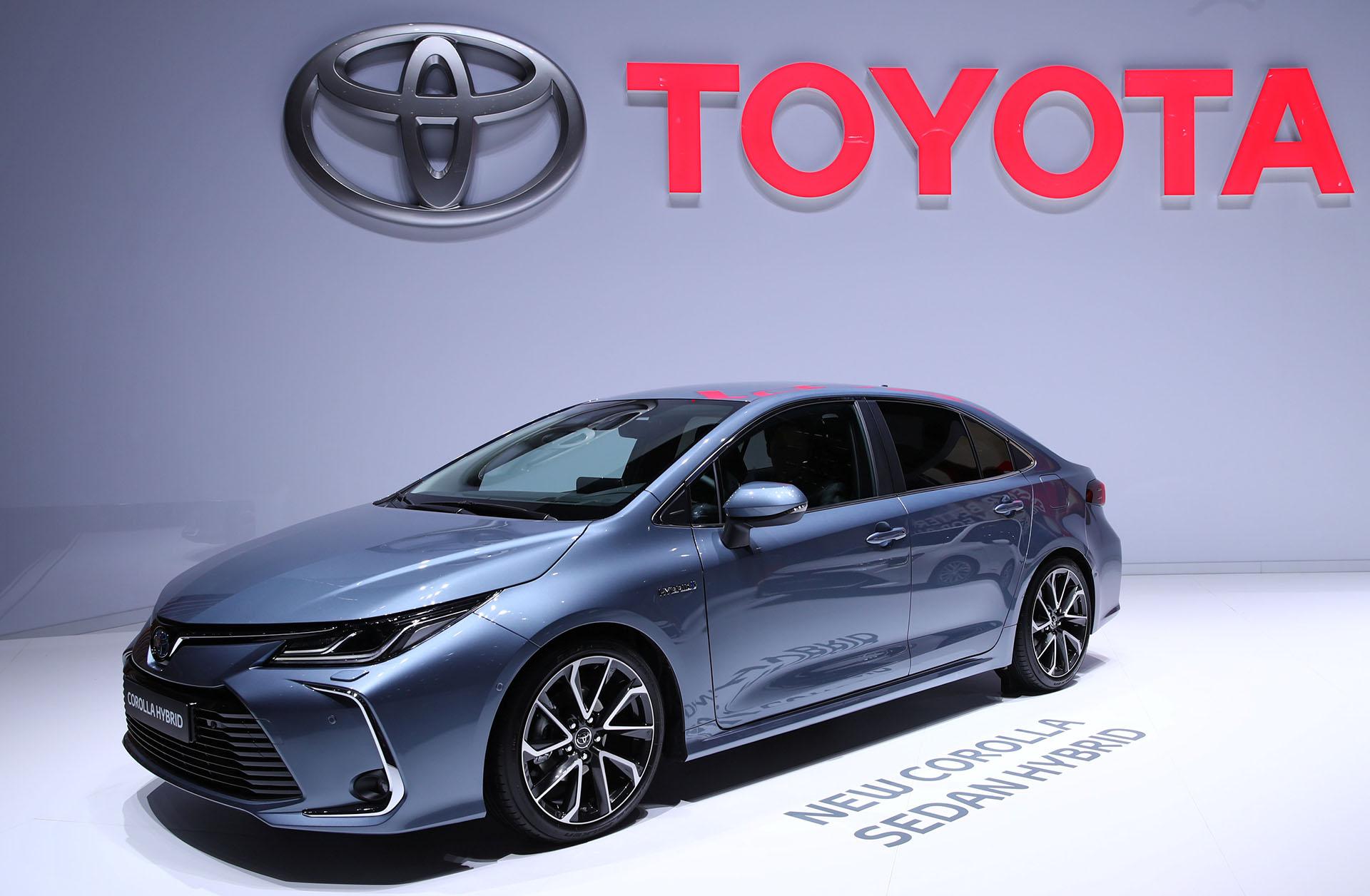 Pionero en la producción de automóviles híbridos, el Toyota Corolla Sedan Hybridpromete más potencia y dinamismo con menos consumo y emisiones