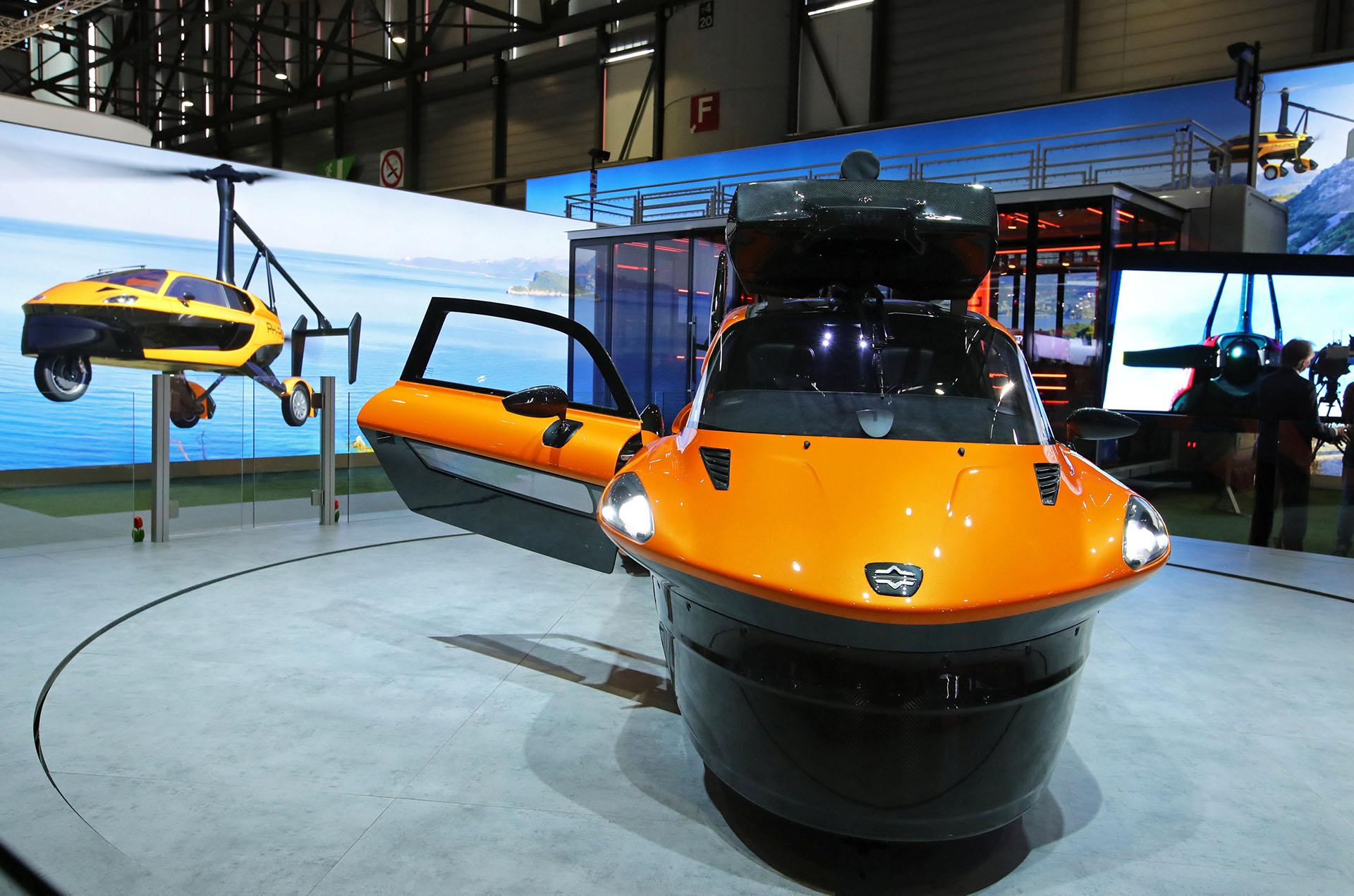 Yase encuentra a la venta con un costo de 300.000 euros, y su producción se hace a pedido.Necesita 180 metros para despegar, y 30 metros para aterrizar