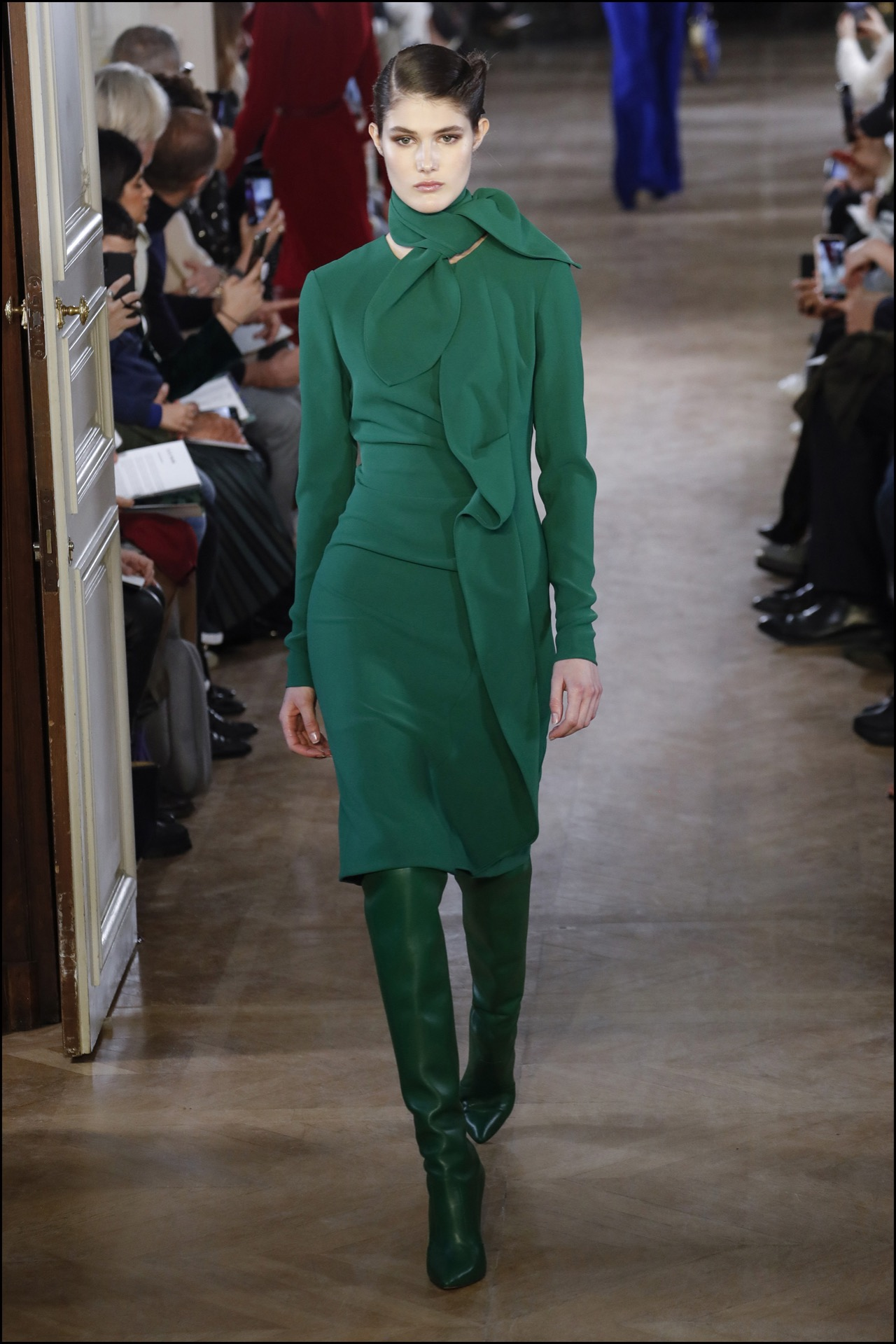 Un total look en verde: lo más aplaudido de la nueva colección de Elie Saab.