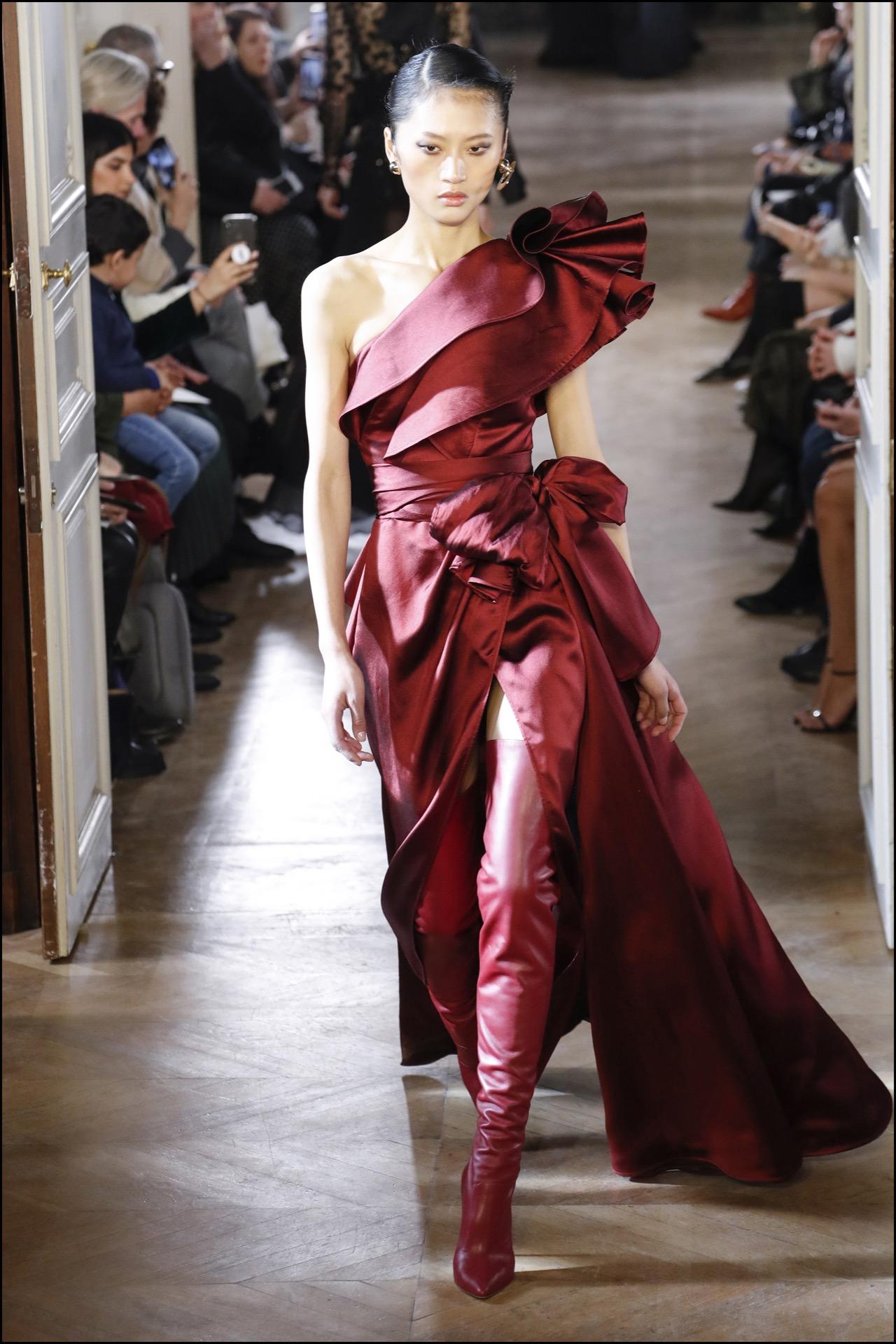 Elegante, sensual y muy femenina, la apuesta de Elie Saab.