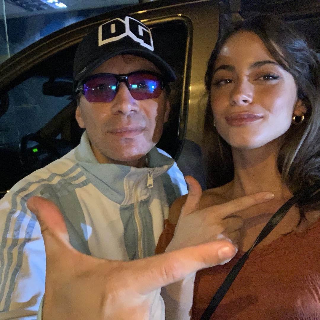 """El sorpresivo encuentro entre Tini Stoessel y Pablito Lescano, el lider de """"Damas Gratis"""". Martina asistió al concierto de la banda de cumbia y compartió en Instagram una foto con el cantante (Foto: Instagram)"""