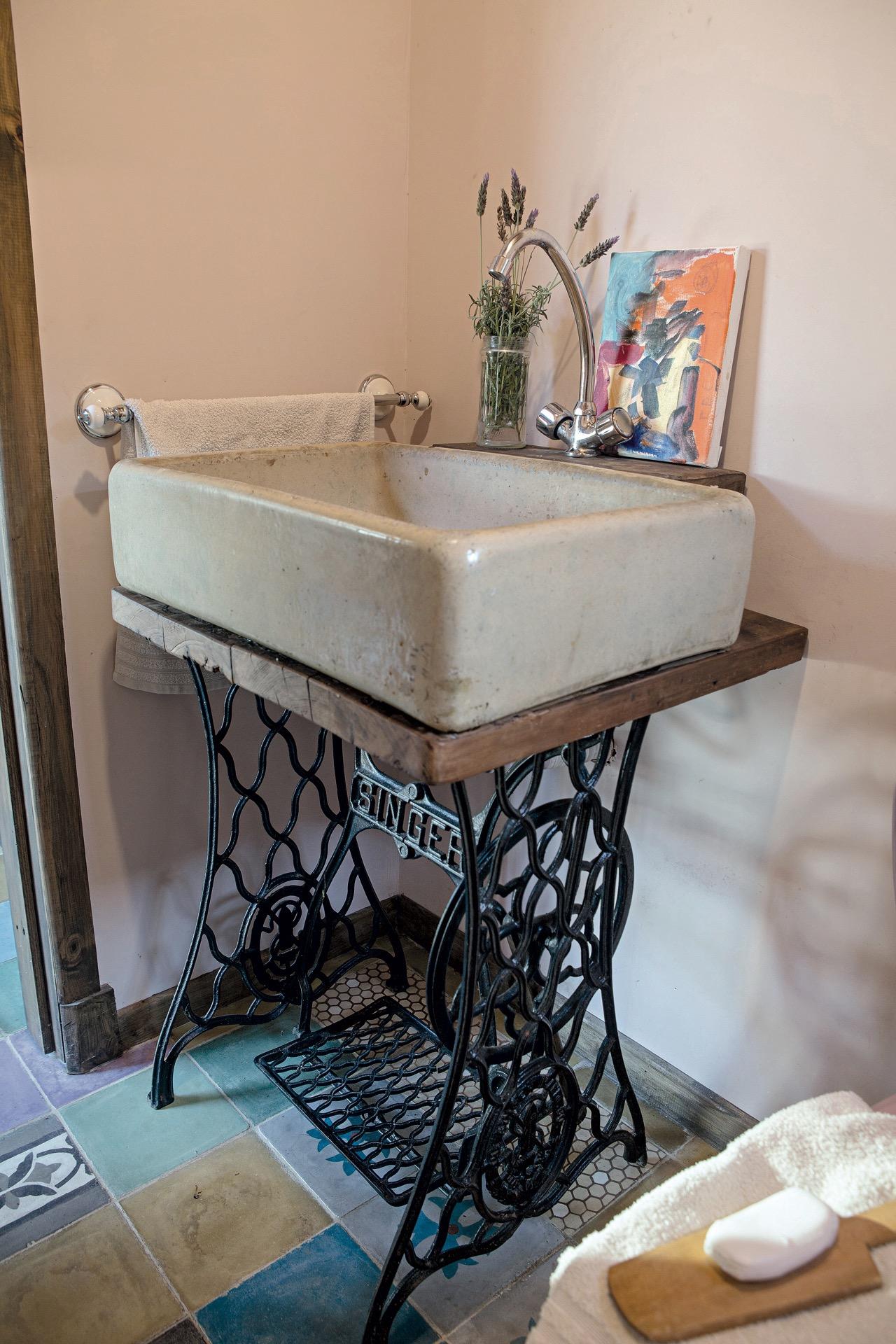 Un toilette con aires vintage.