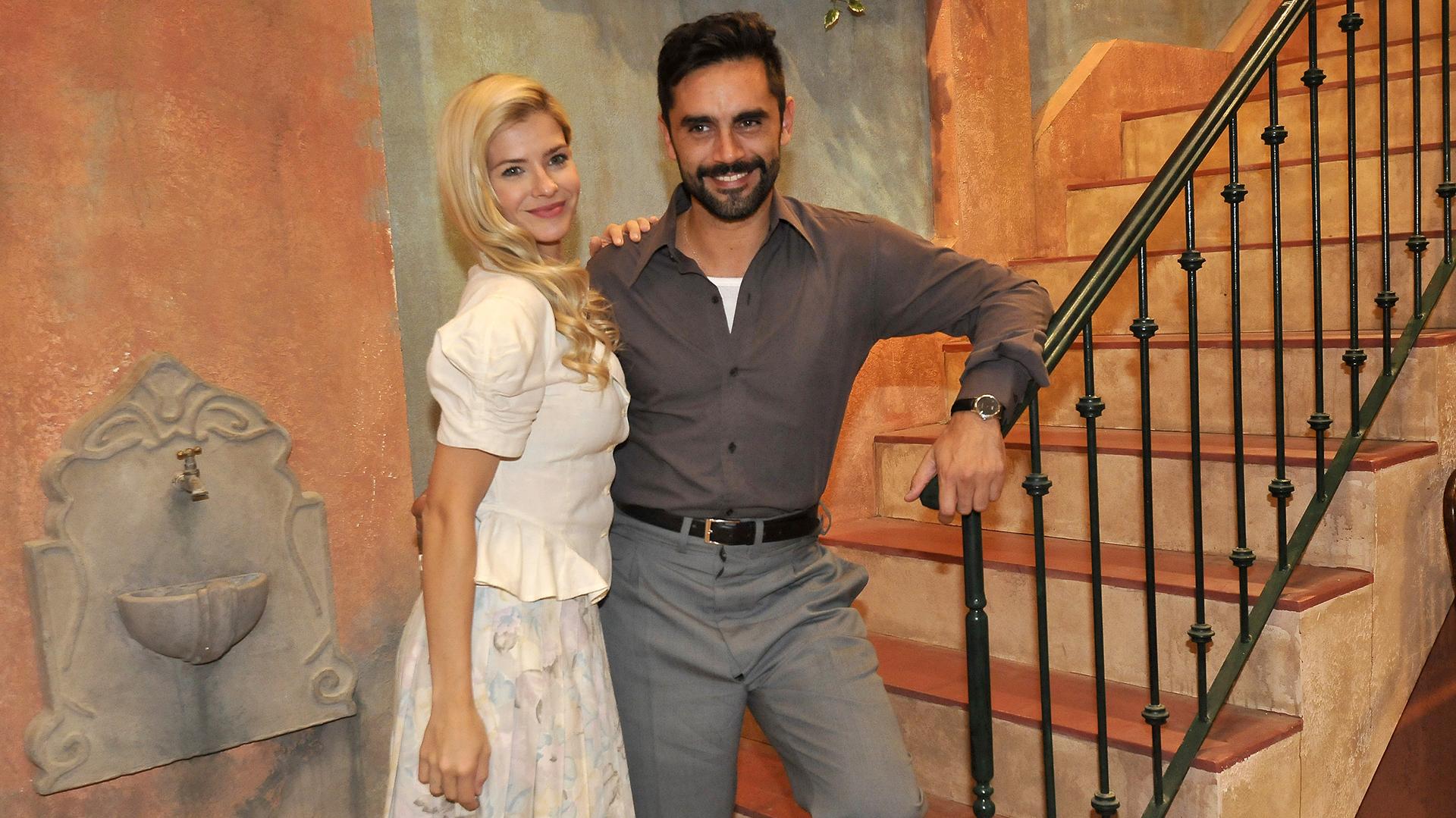 En la trama, Aldo se enamora de Raquel e intentará salvarla al enterarse de que la trajeron engañada para trabajar en un burdel