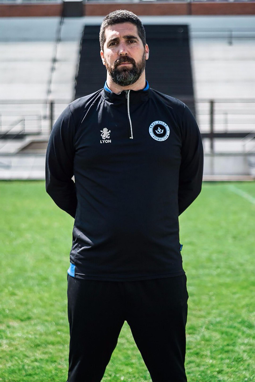 Tomás Arrotea Molina, el entrenador que llevó al Real Pilar a los 16vos. de final de la Copa Argentina. (@PilarFutbolC)