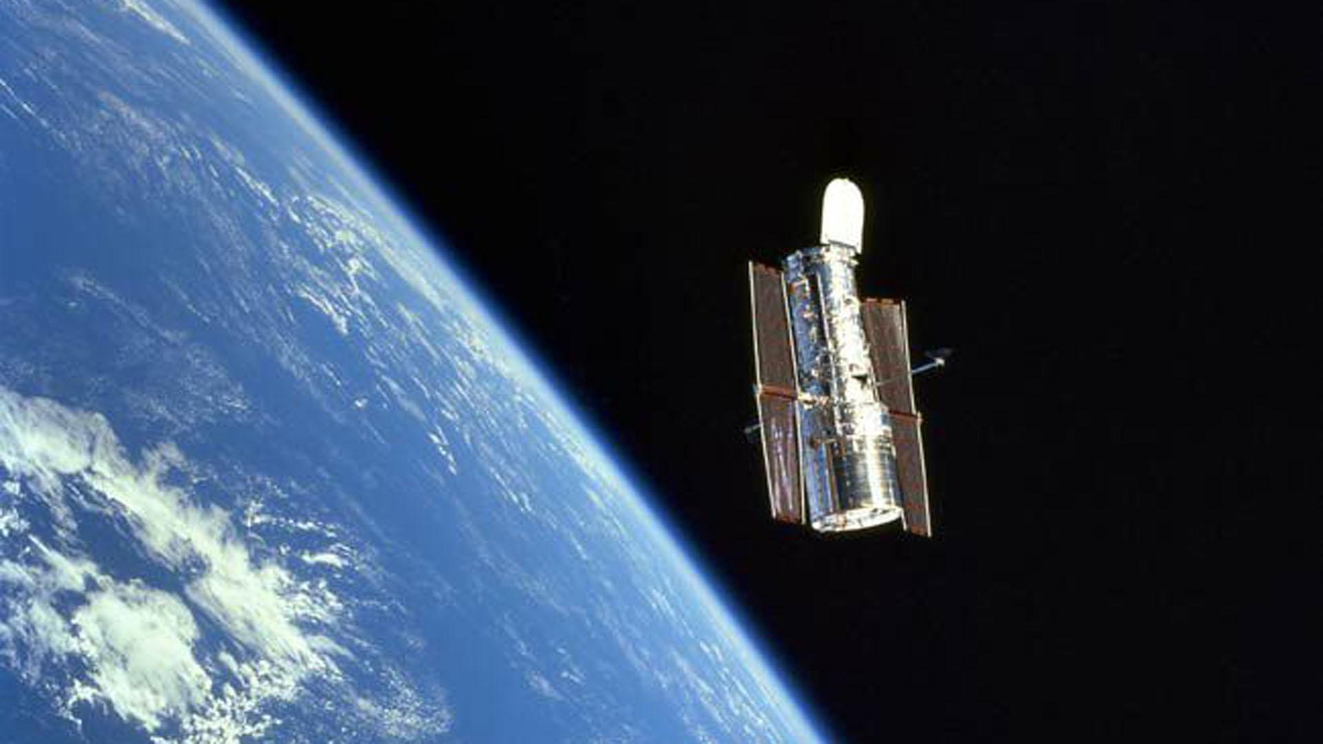 El telescopio fue lanzado en 1990 a bordo de un transbordador espacial de la NASA