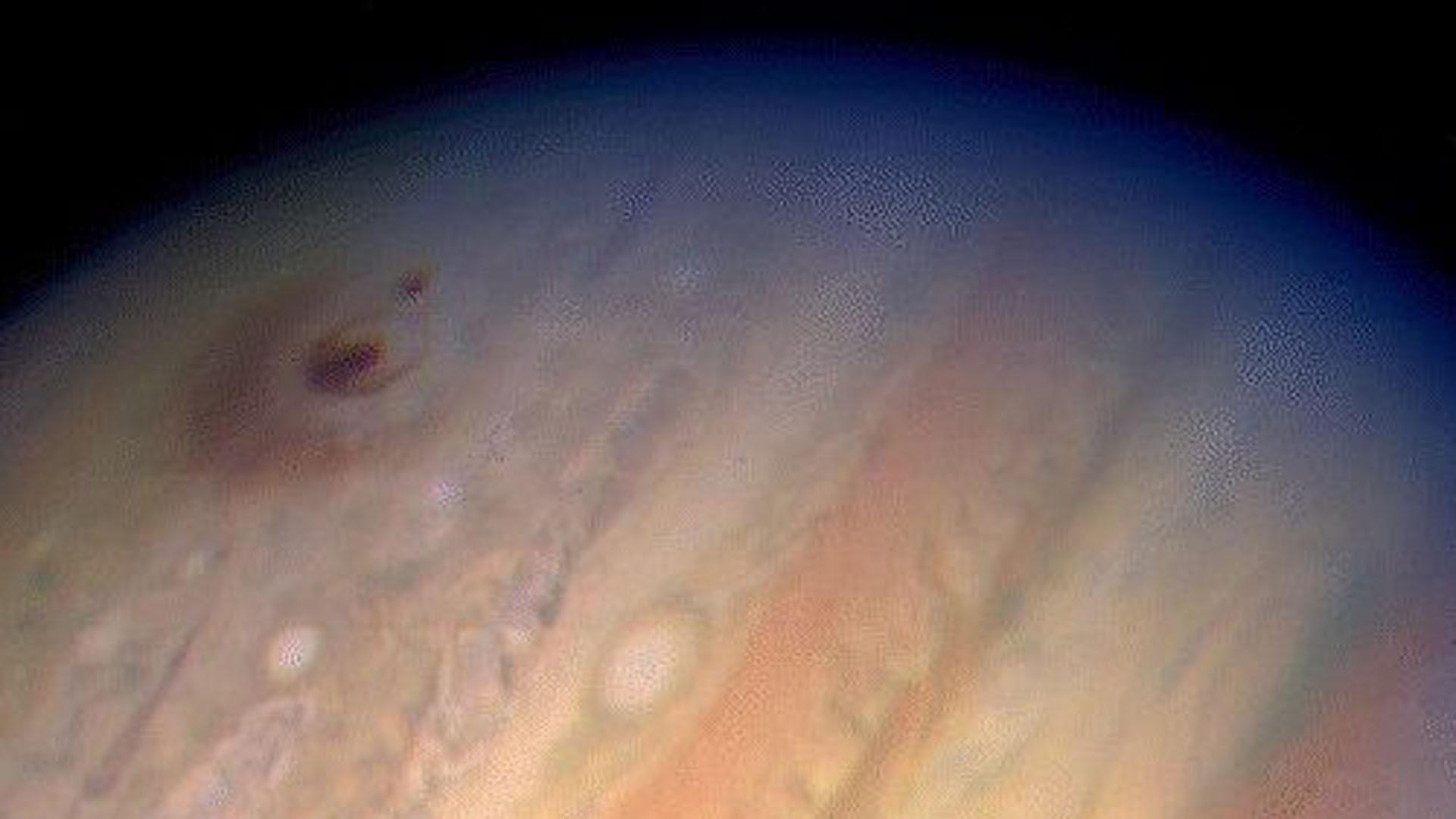 El telescopio espacial observó al cometa Shoemaker-Levy 9 colisionar espectacularmente con Júpiter en 1994