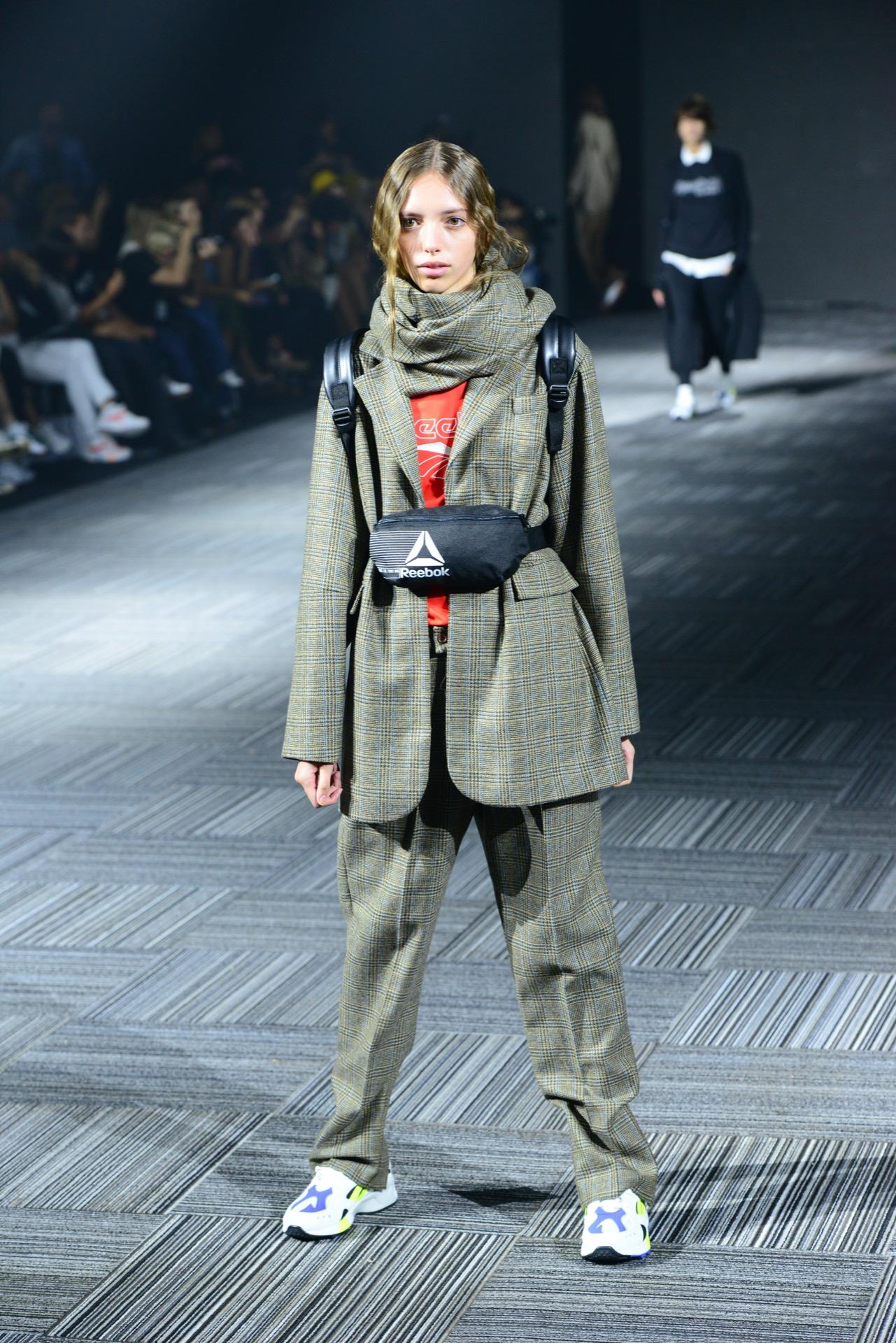 La fusión de una marca deportiva con el diseño de autor en la semana de la moda porteña.