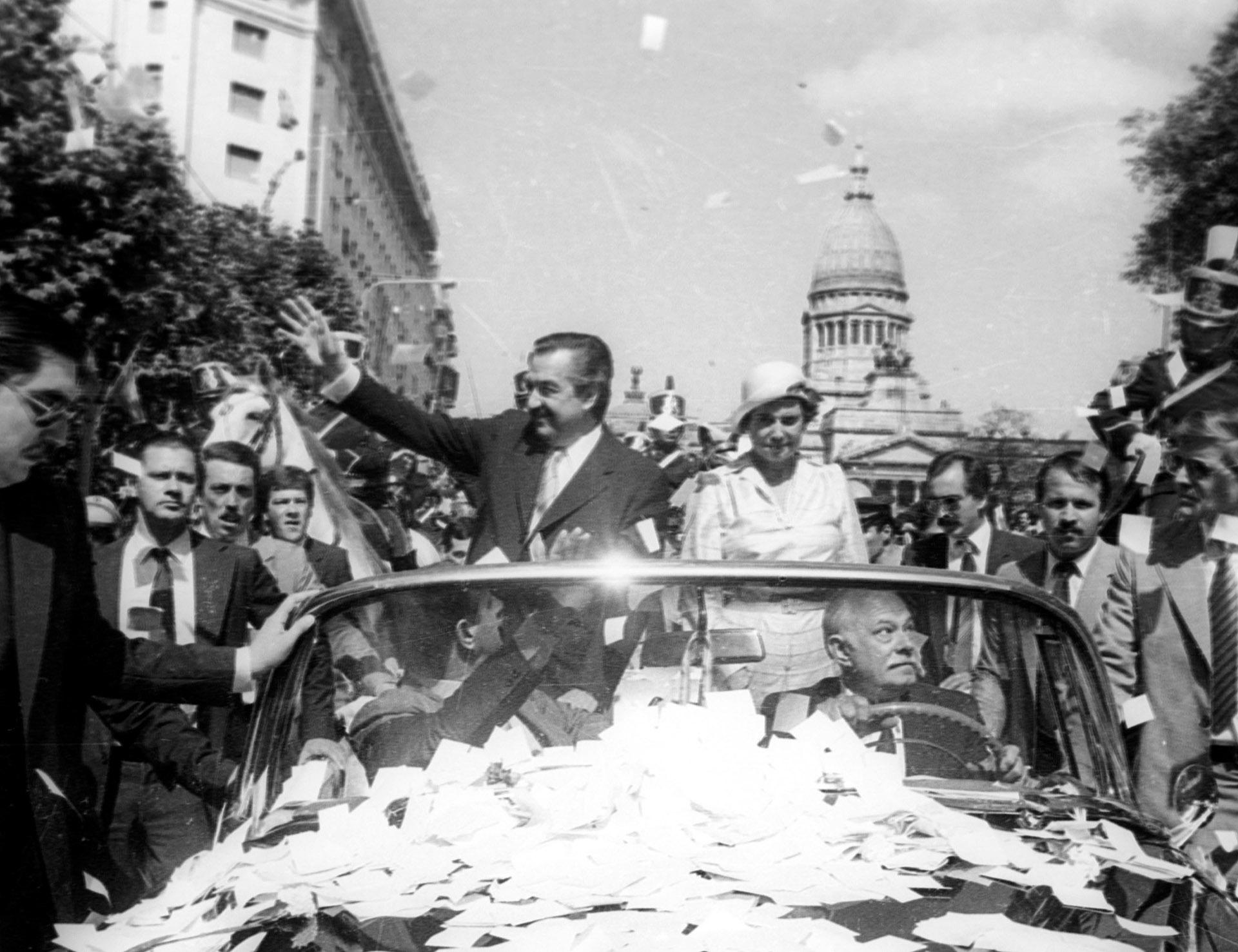 1983. Asunción Presidencial de Raúl Alfonsín (NA)