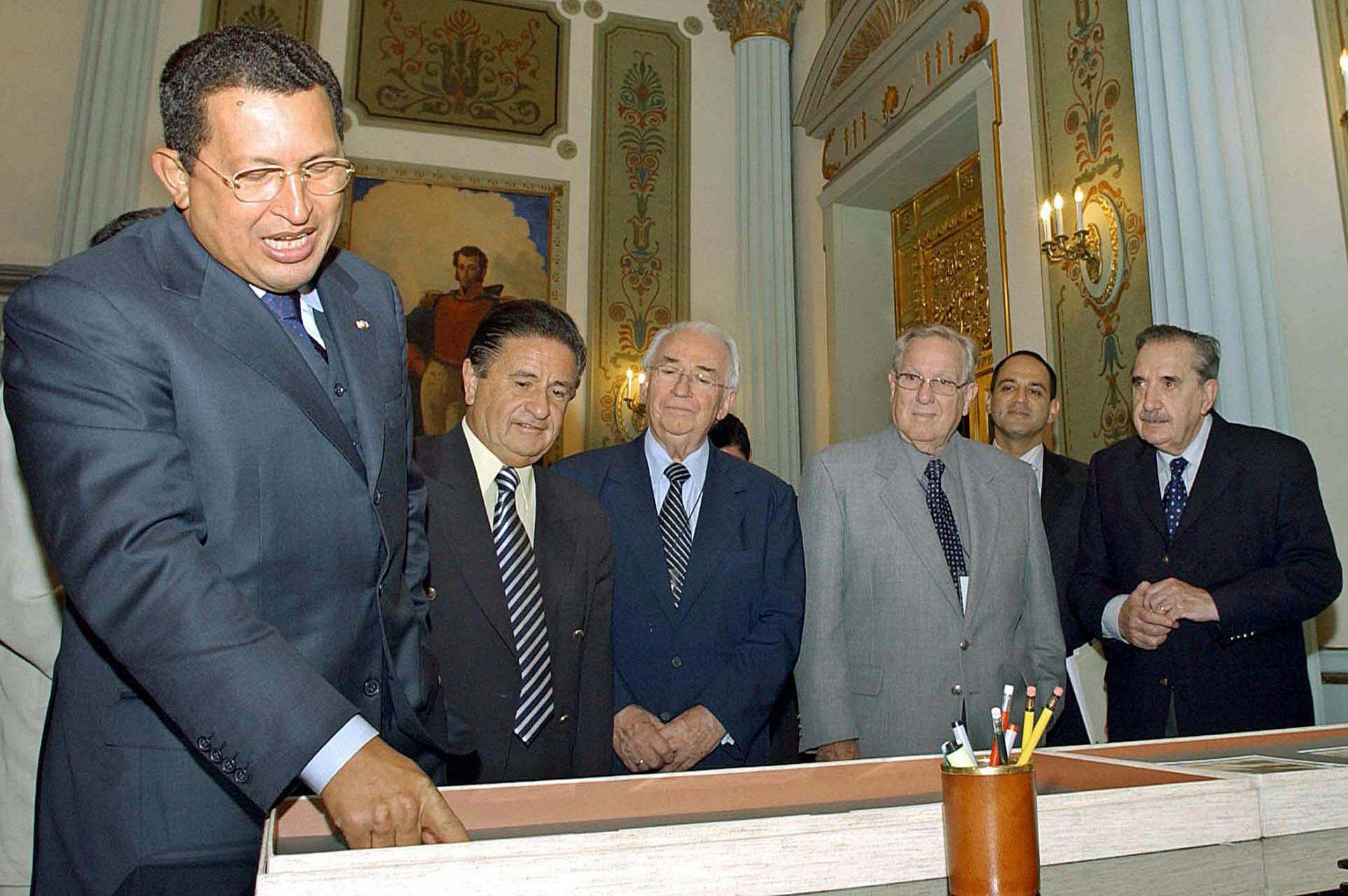En el palacio presidencial de Miraflores, en la ciudad de Caracas, el 14 de agosto de 2004